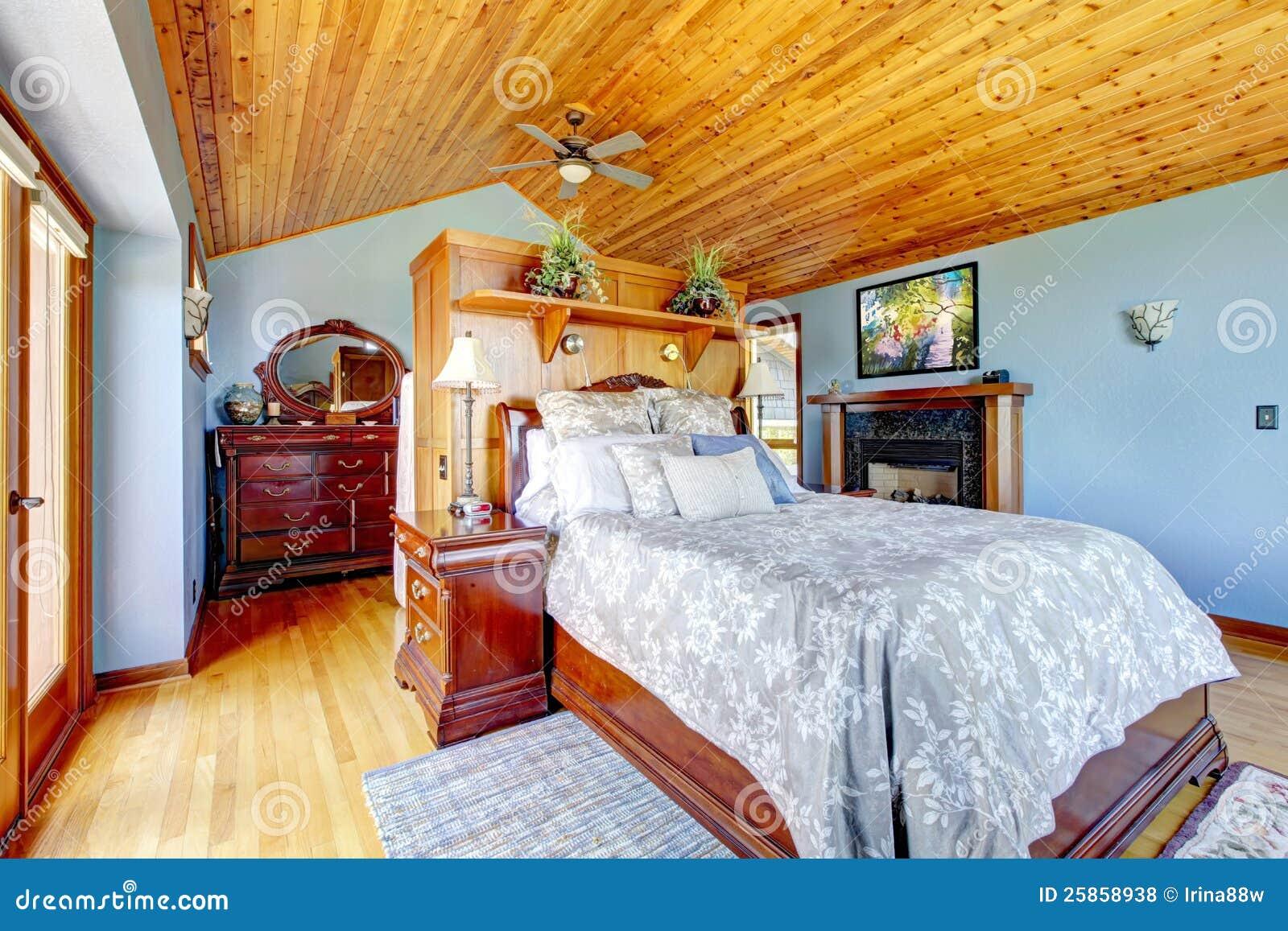 Chambre coucher bleue avec le plafond en bois photos Les chambre a coucher en bois