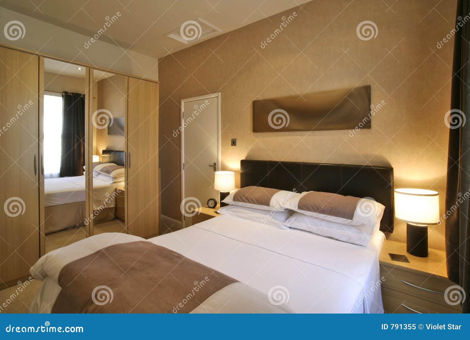 Chambre coucher de luxe photo libre de droits image for Achat de chambre a coucher