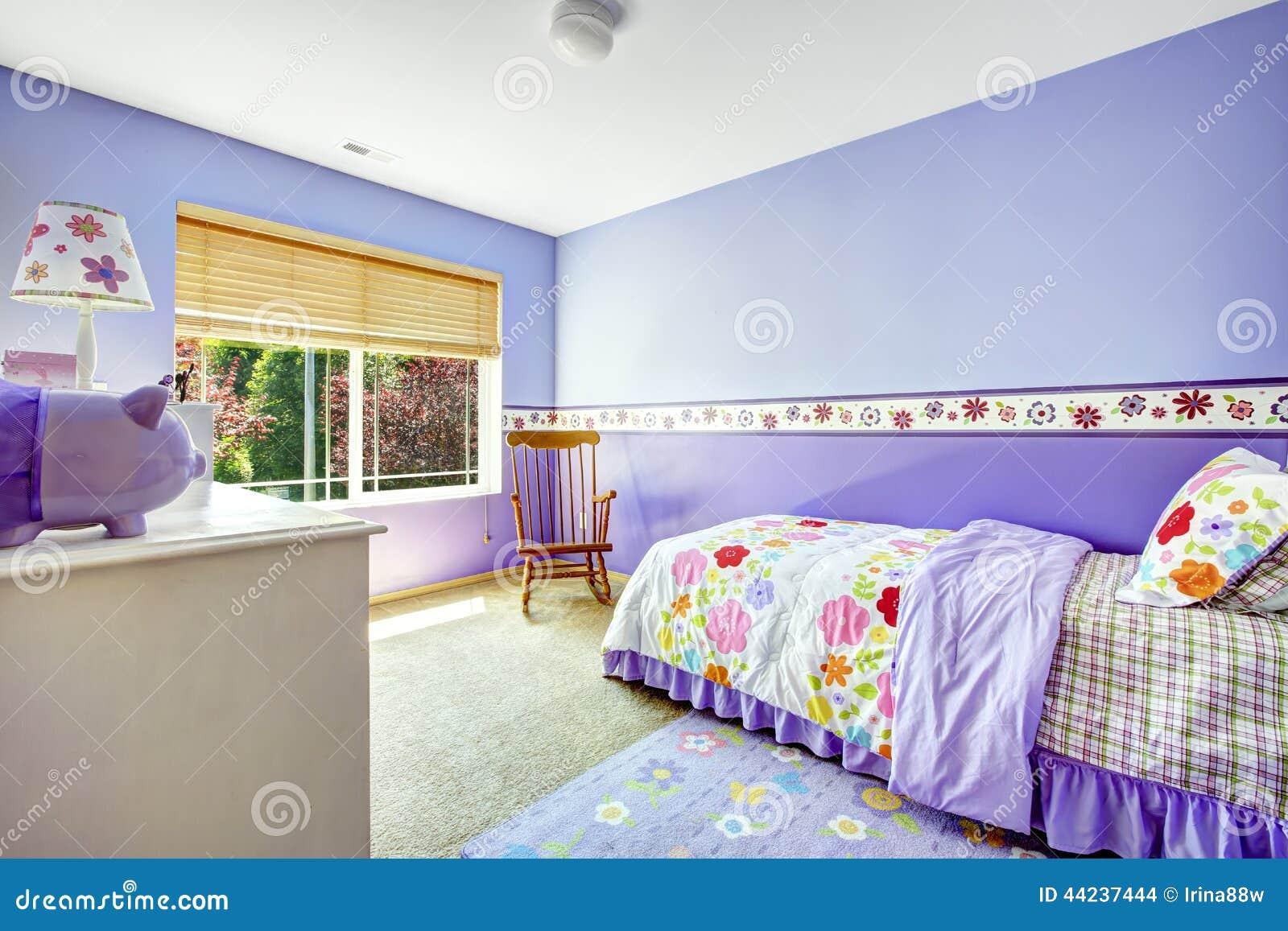 Intérieur gai de chambre à coucher dans la couleur de turquoise ...