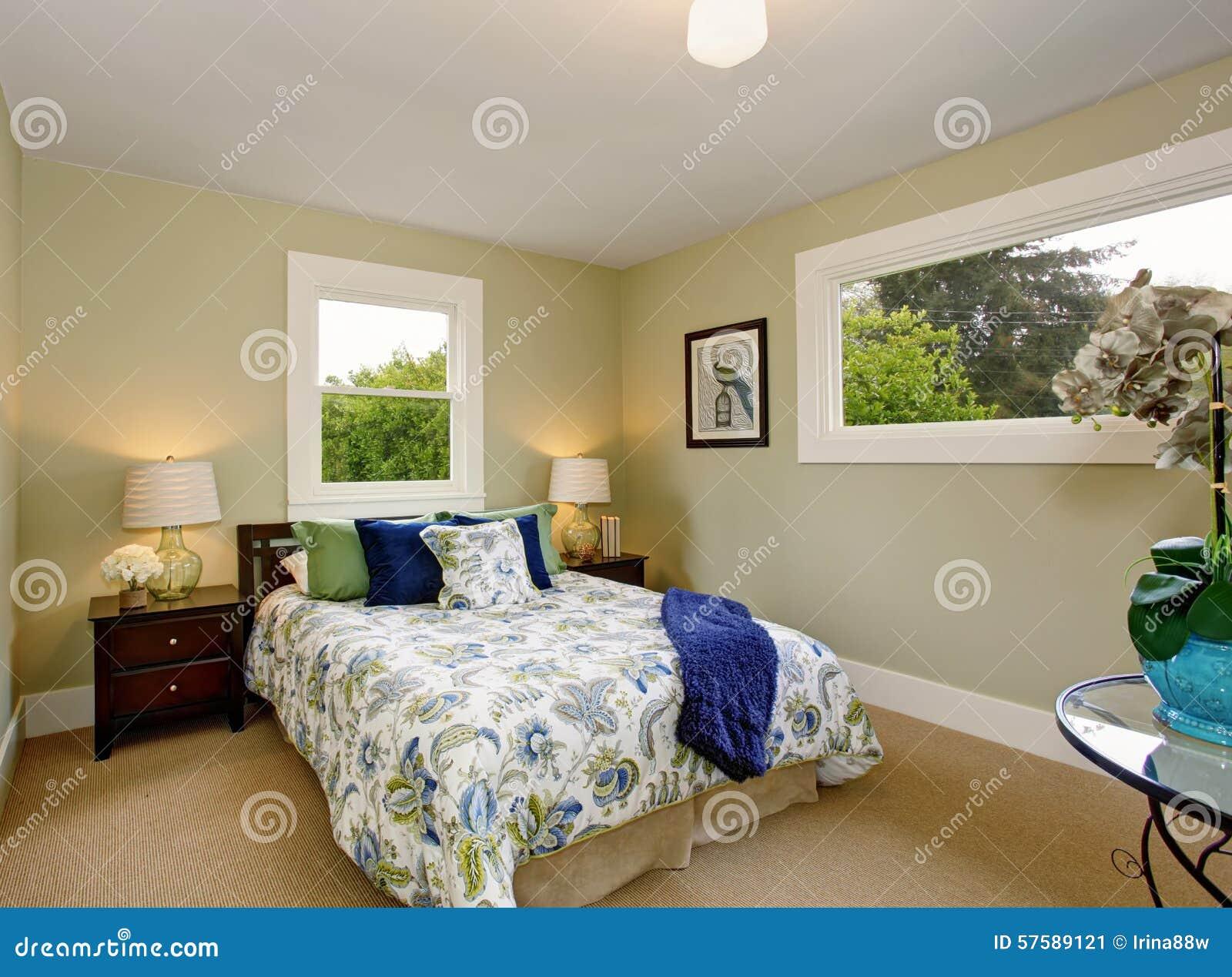 Chambre bleu vert for Chambre a coucher marron et vert