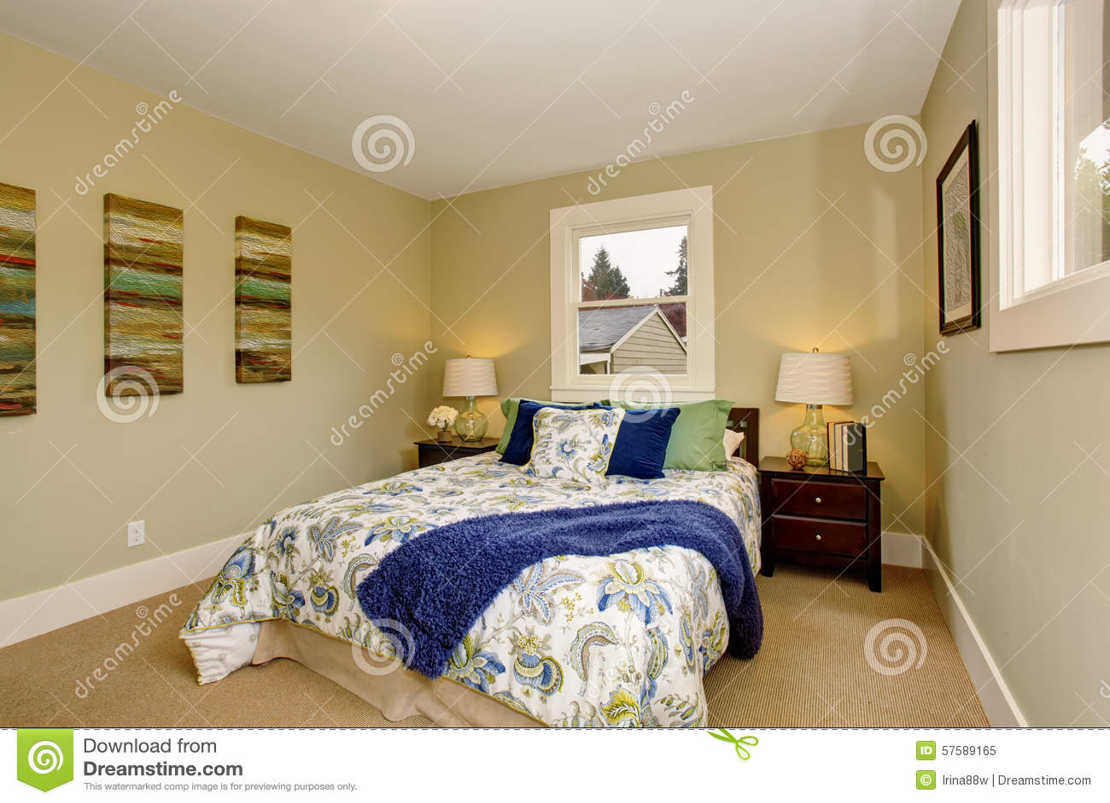 Chambre à coucher moderne avec le décor intérieur vert et bleu ...