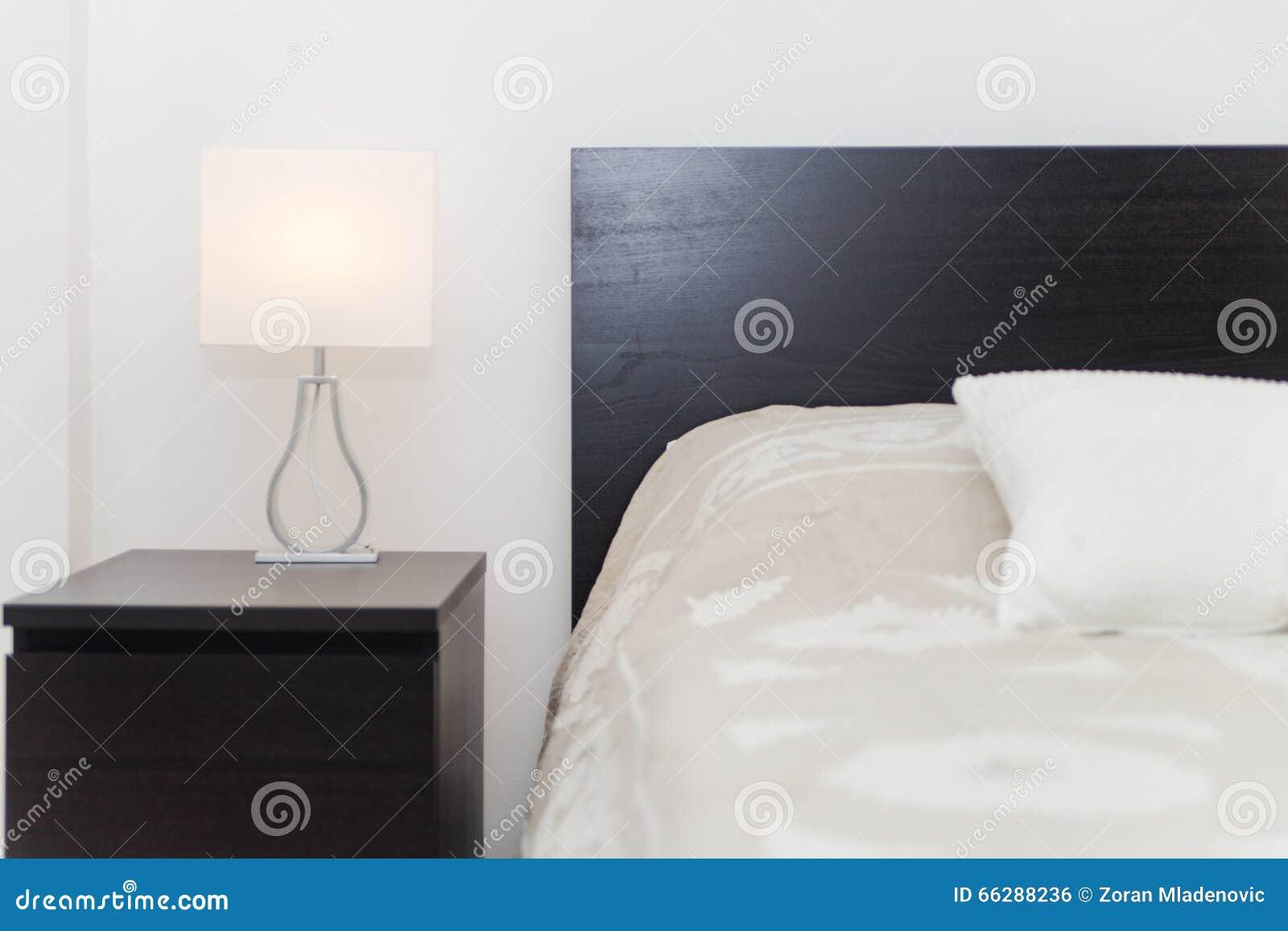 Chambre à coucher moderne de luxe de spacy double avec les meubles ...