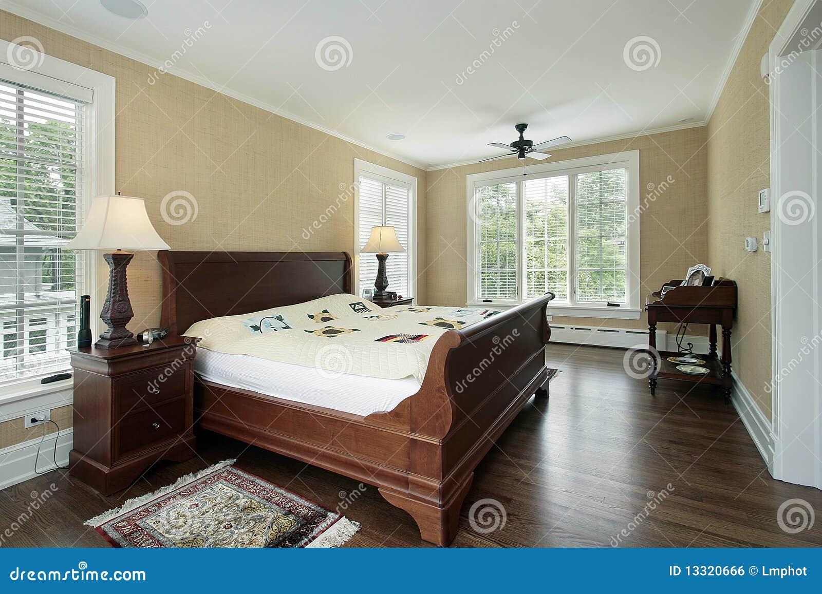Chambre Coucher Principale Avec La Vue D 39 Arri Re Cour