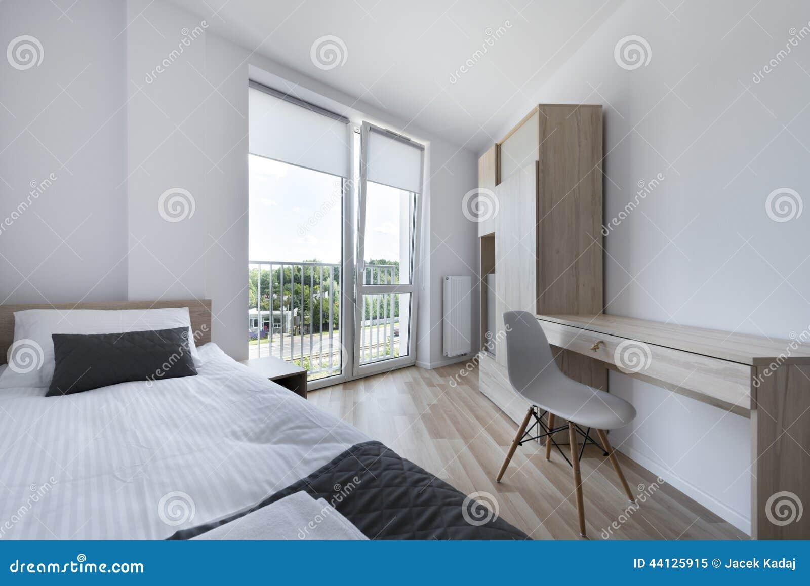 Chambre à coucher légère dans le style scandinave moderne ...