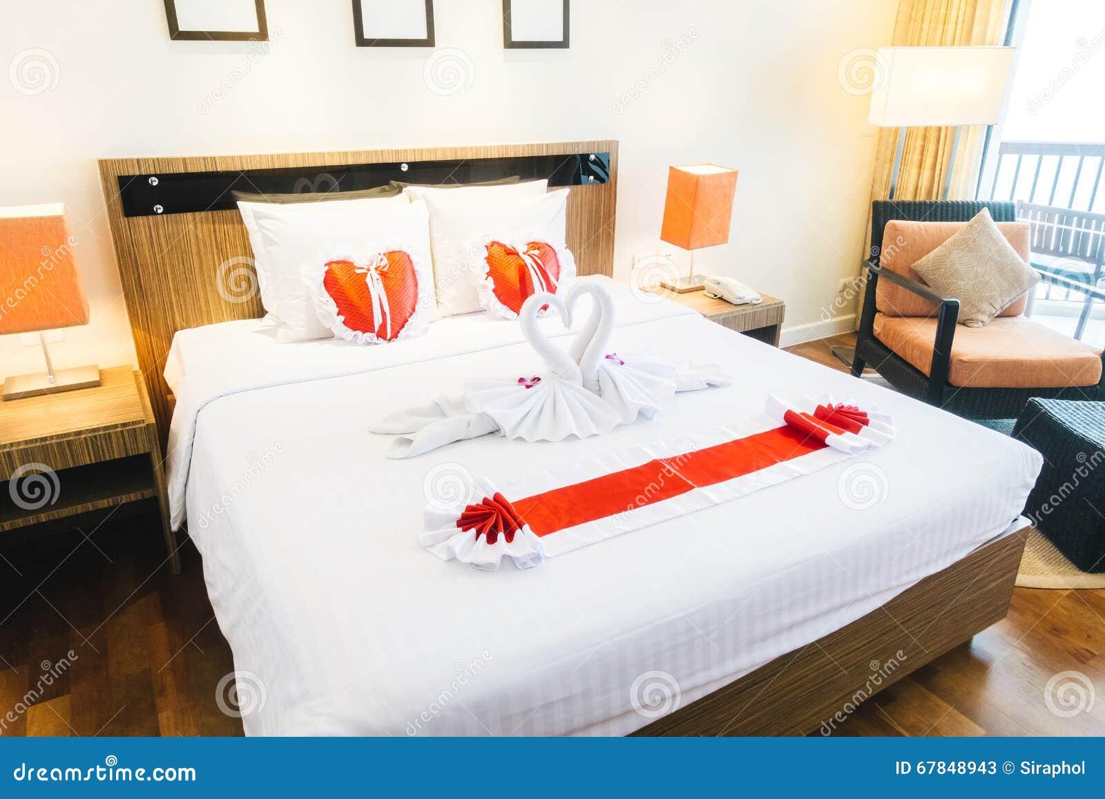 Chambre à Coucher Romantique Photo stock - Image: 67848943