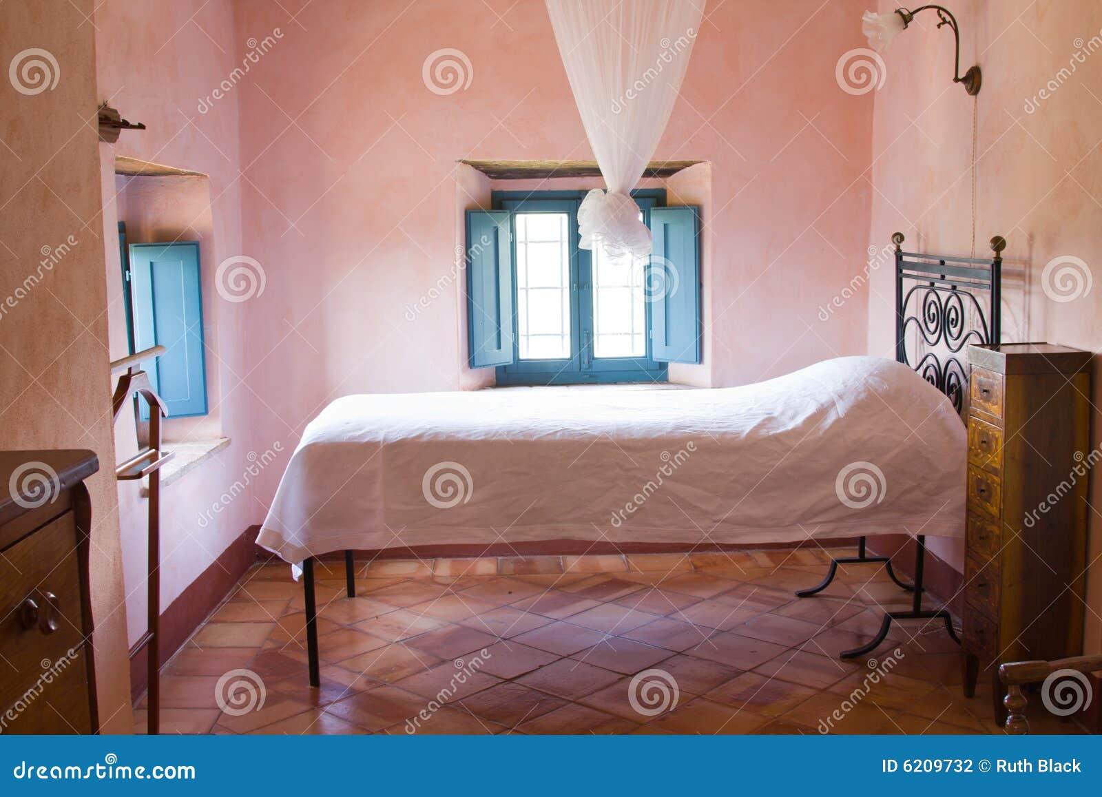 Chambre coucher rustique photographie stock image 6209732 for Chambre a coucher rustique