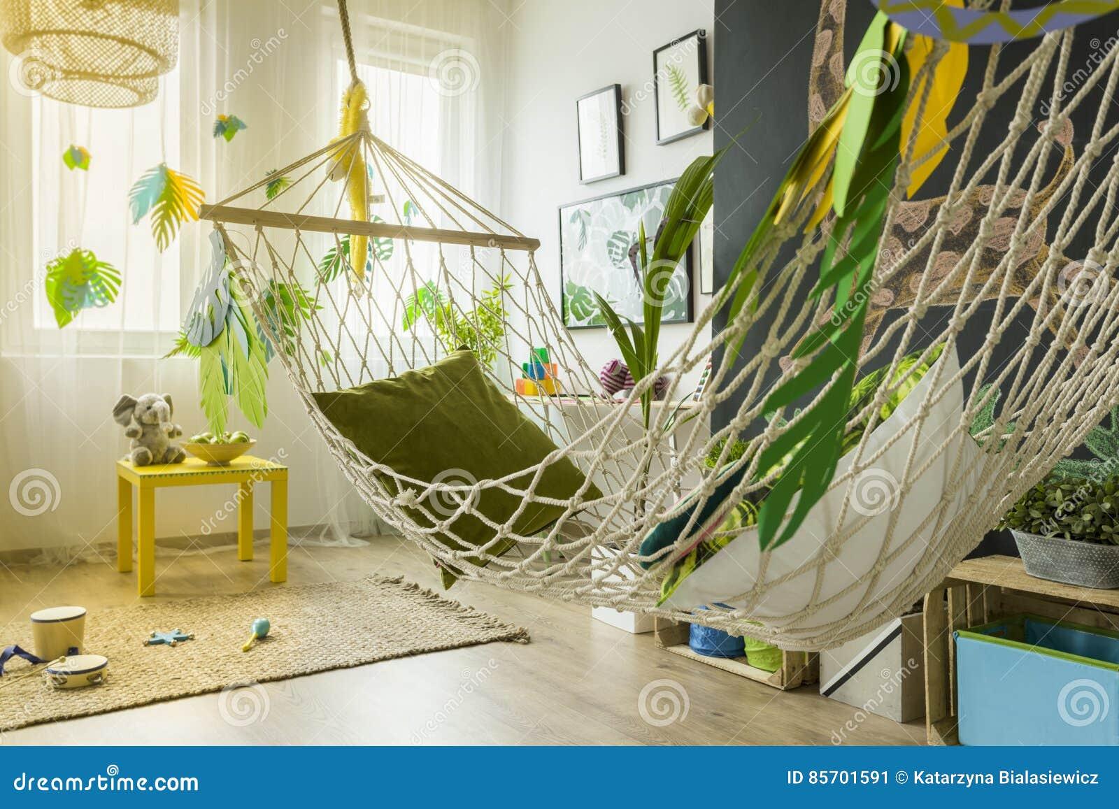 Chambre d 39 enfant avec l 39 hamac image stock image du Hamac chambre
