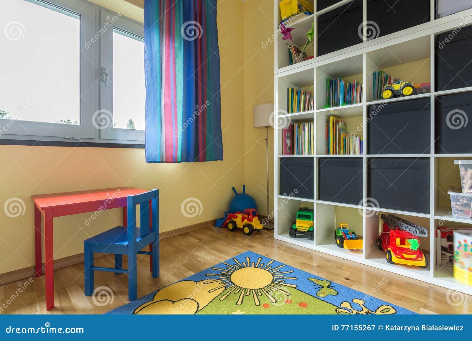 Chambre d enfant complètement de couleurs