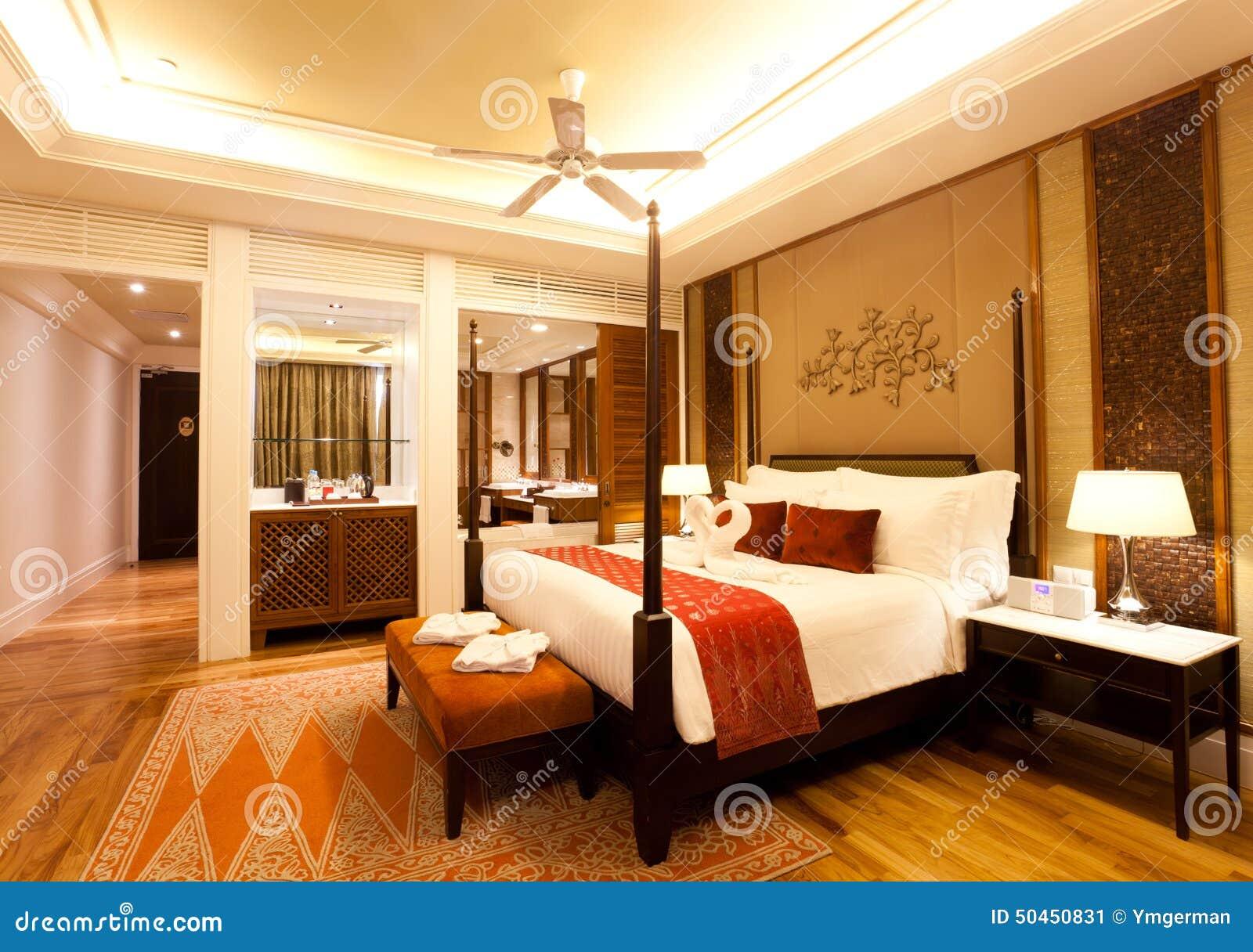Chambre d'hôtel de luxe photo stock   image: 50450831