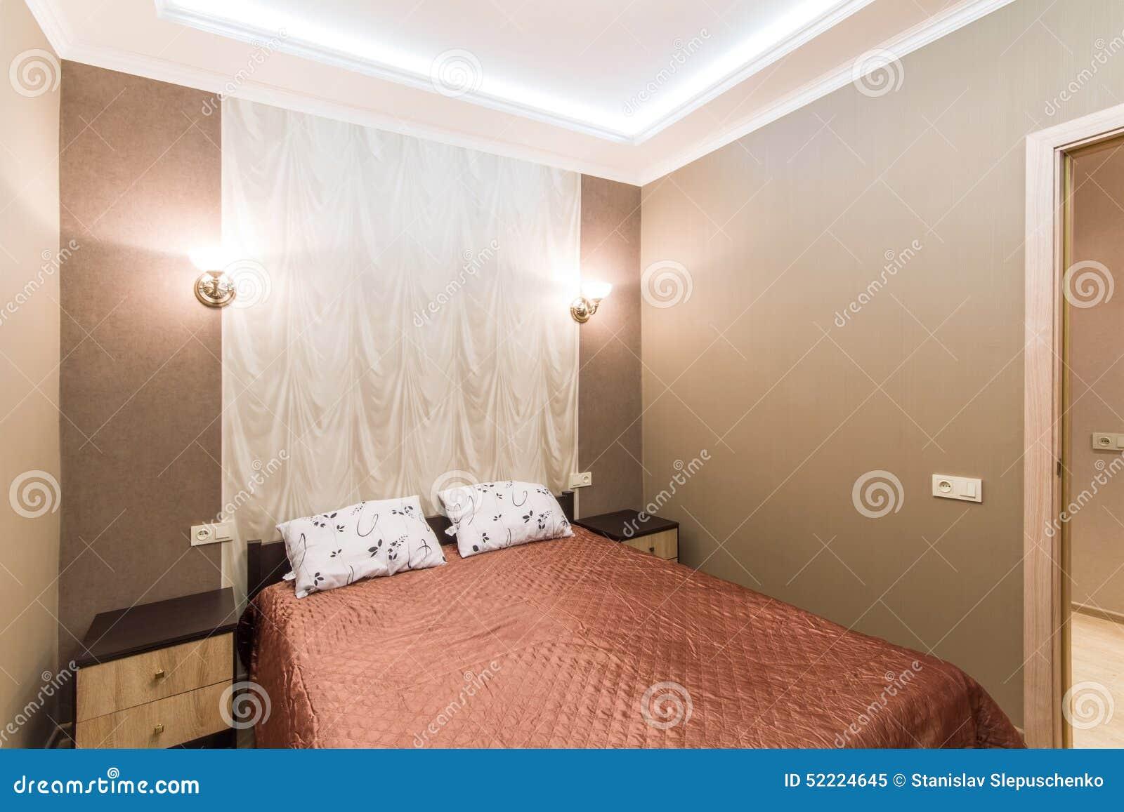 lit double petite chambre chambre queyras lit double king size chambre spacieuse vote avec vue. Black Bedroom Furniture Sets. Home Design Ideas