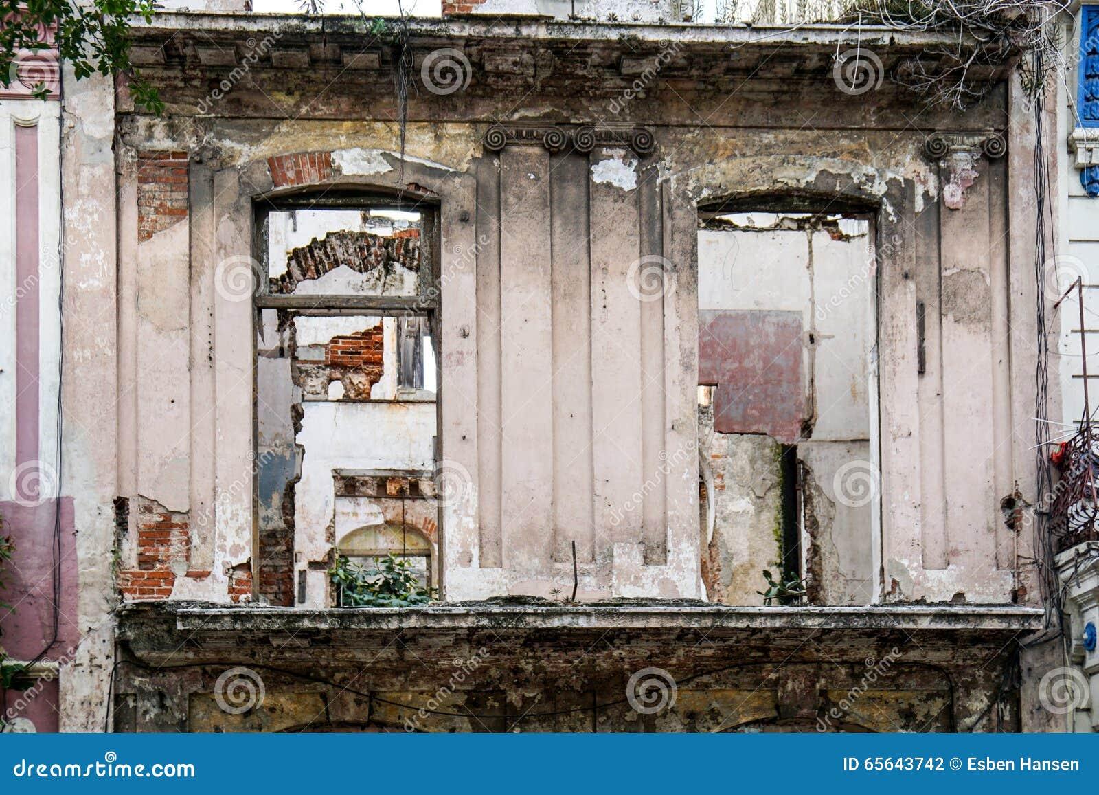 Chambre d og de façade de taudis