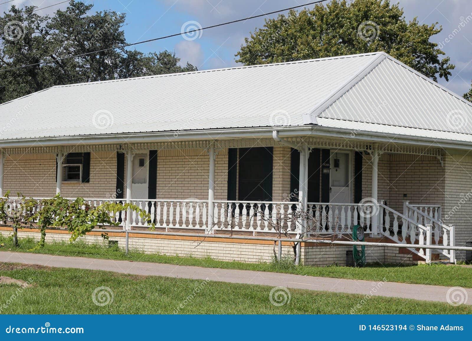 Chambre de la Louisiane photo stock. Image du cajun - 146523194