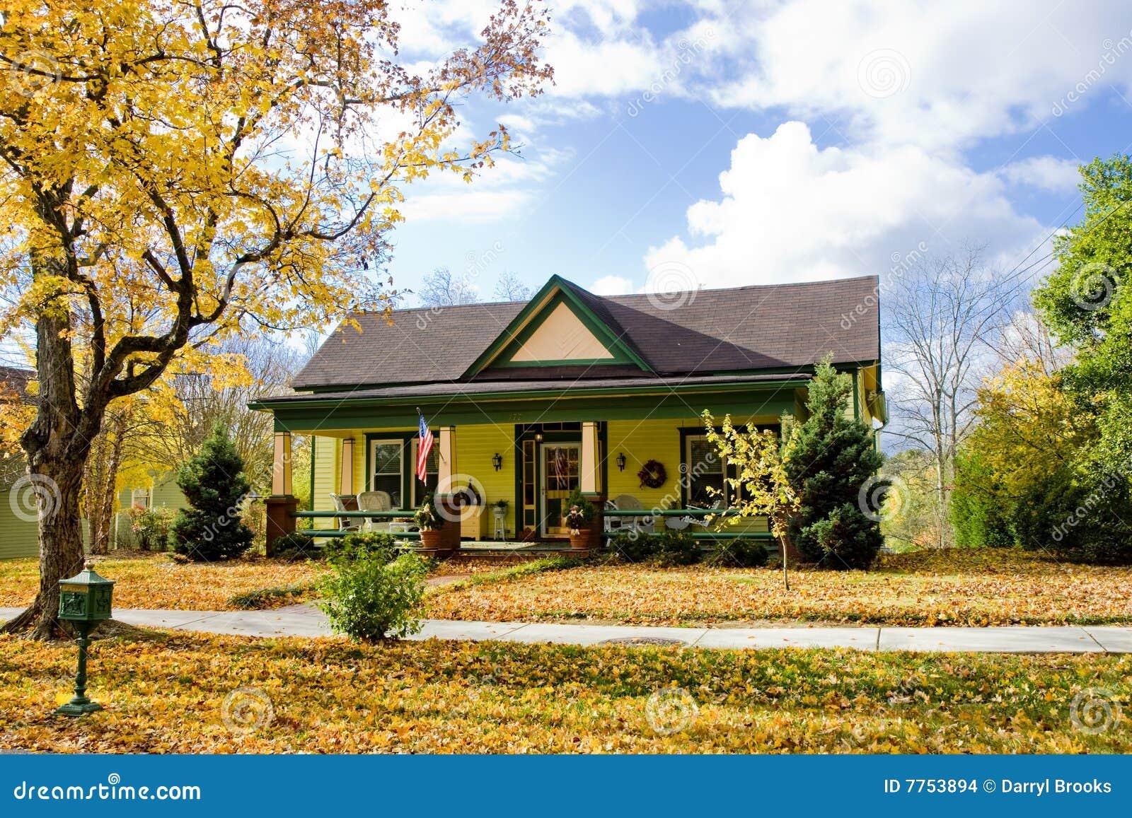 Chambre jaune et verte photo stock. Image du vert, voisinage ...