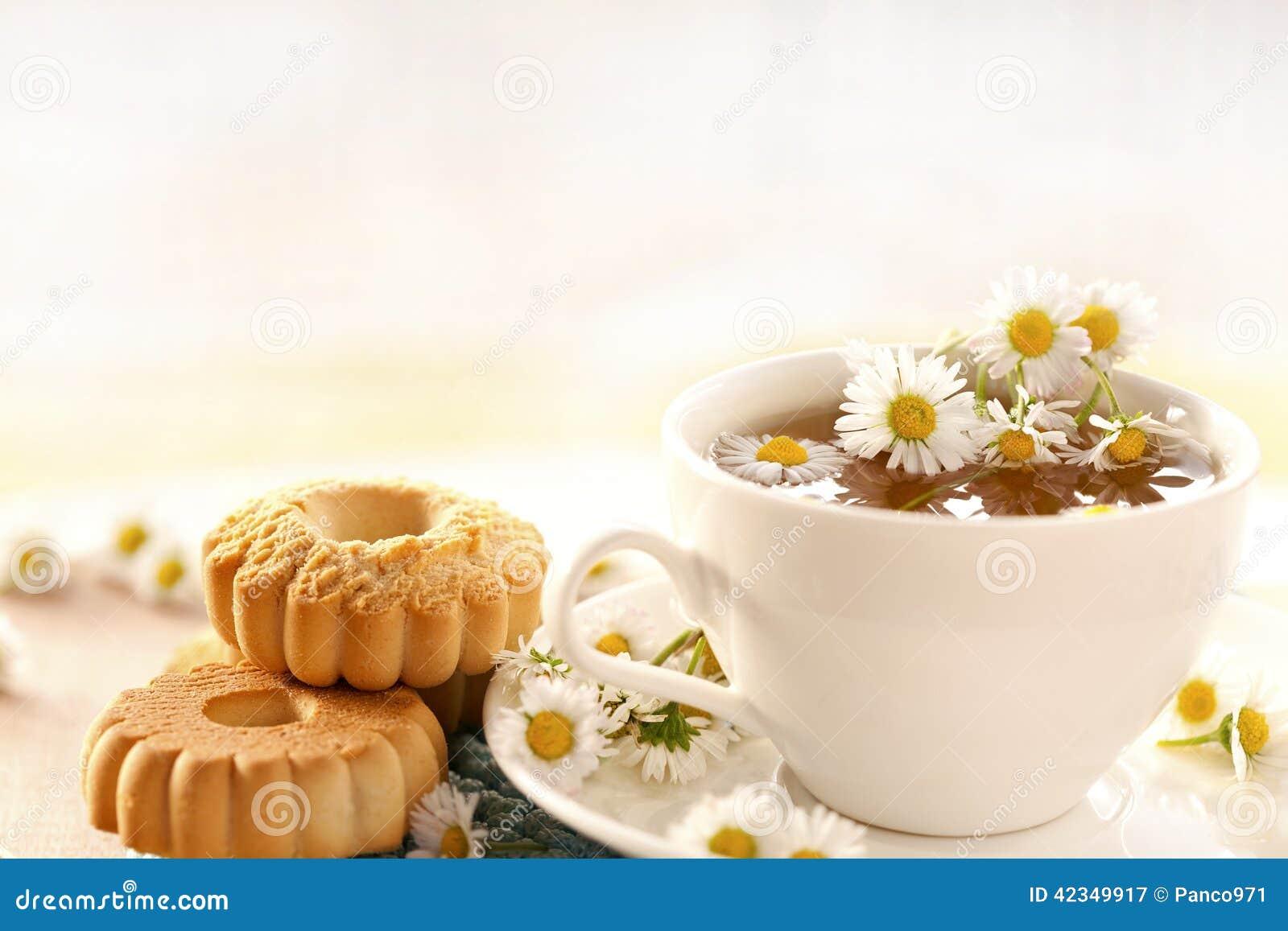 Chamomile herbata z ciastkami
