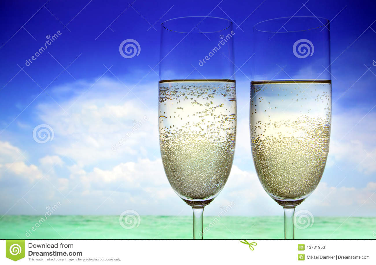 Champagne auf dem Strand