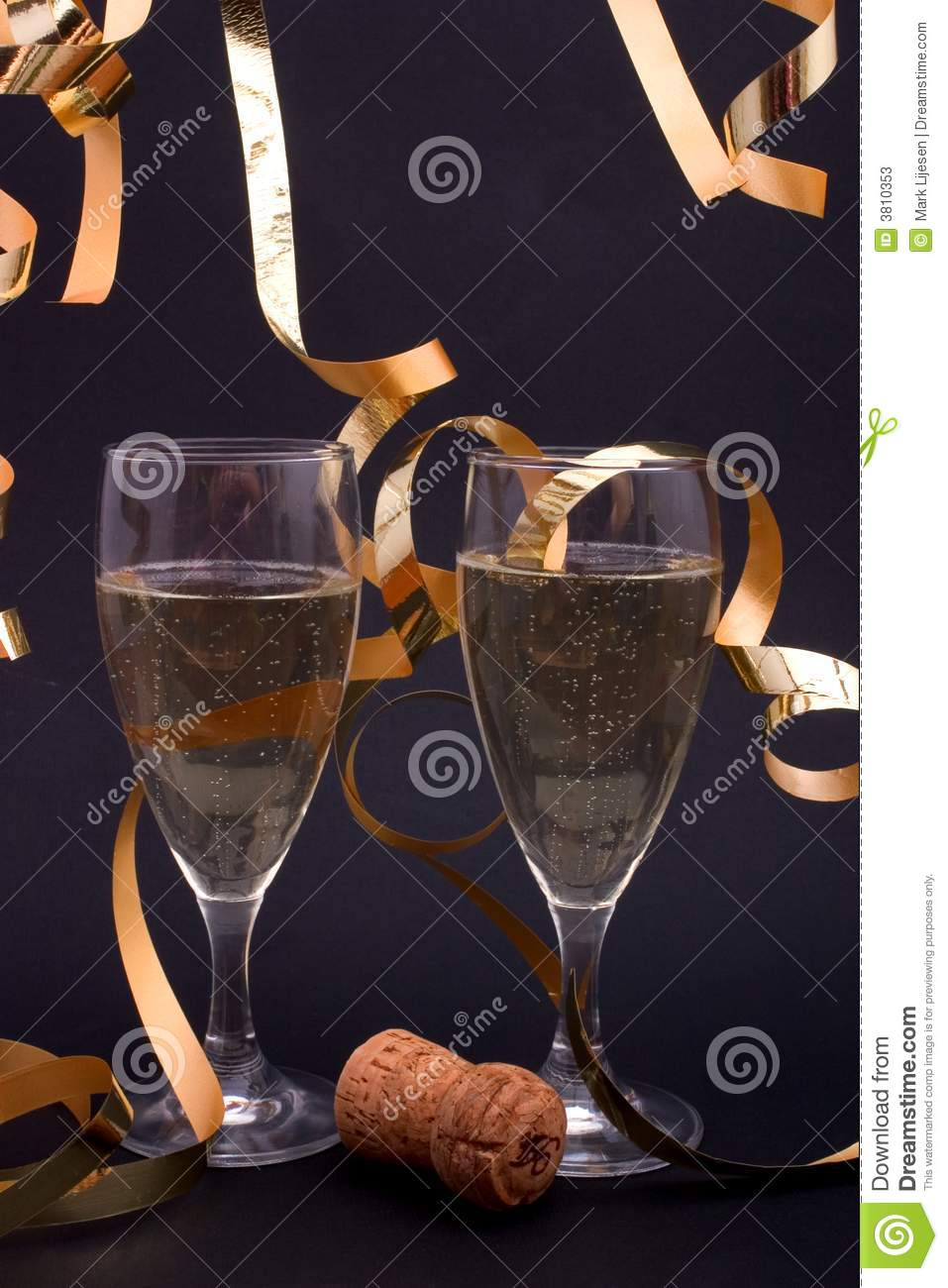 Champagne et flammes d or