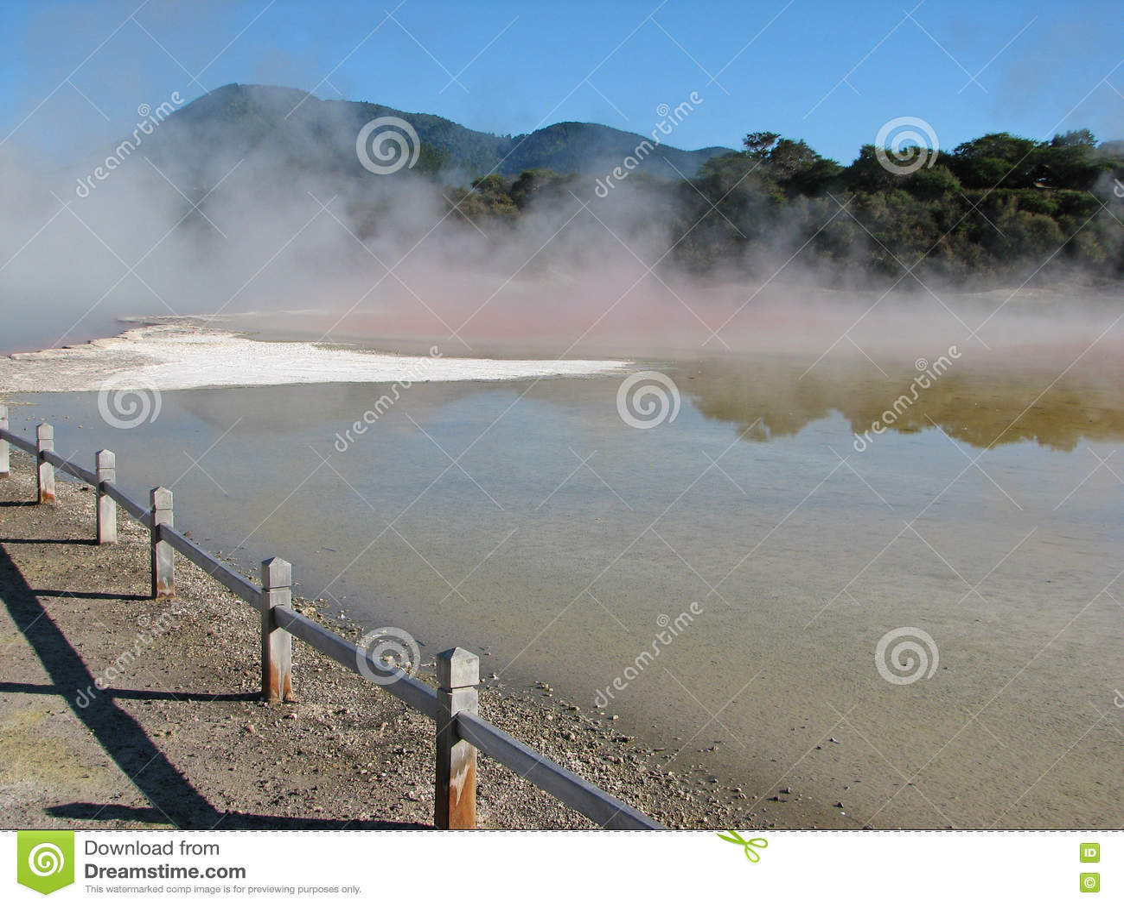 Champagne-pool in wai-o-Tapu thermisch park, Nieuw Zeeland