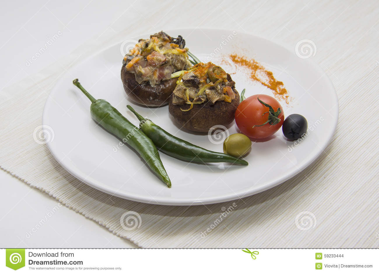 Download Champiñones Asados A La Parrilla Con El Chile Foto de archivo - Imagen de cocinero, dining: 59233444