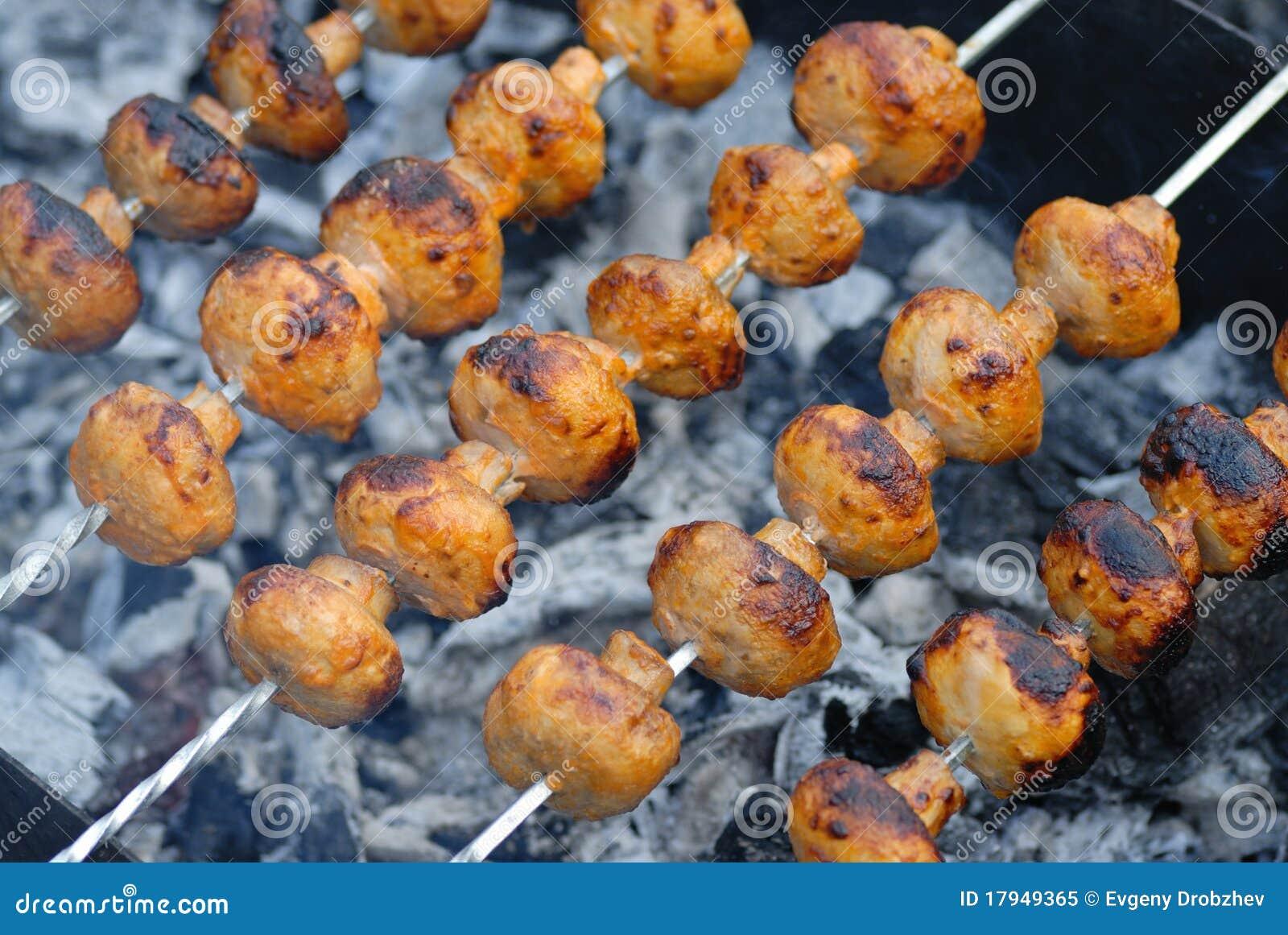 Champignons de couche grillés