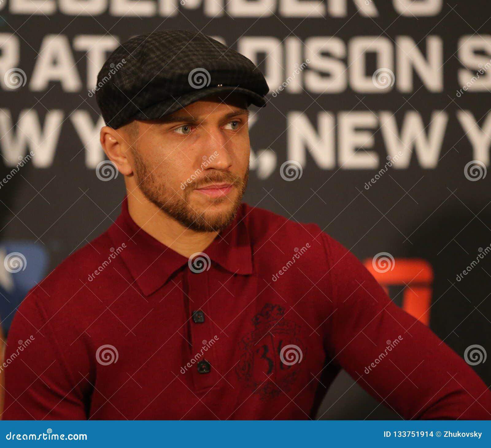 Champion léger du monde Vasiliy Lomachenko pendant la conférence de presse finale avant combat d unification de titre contre Jose