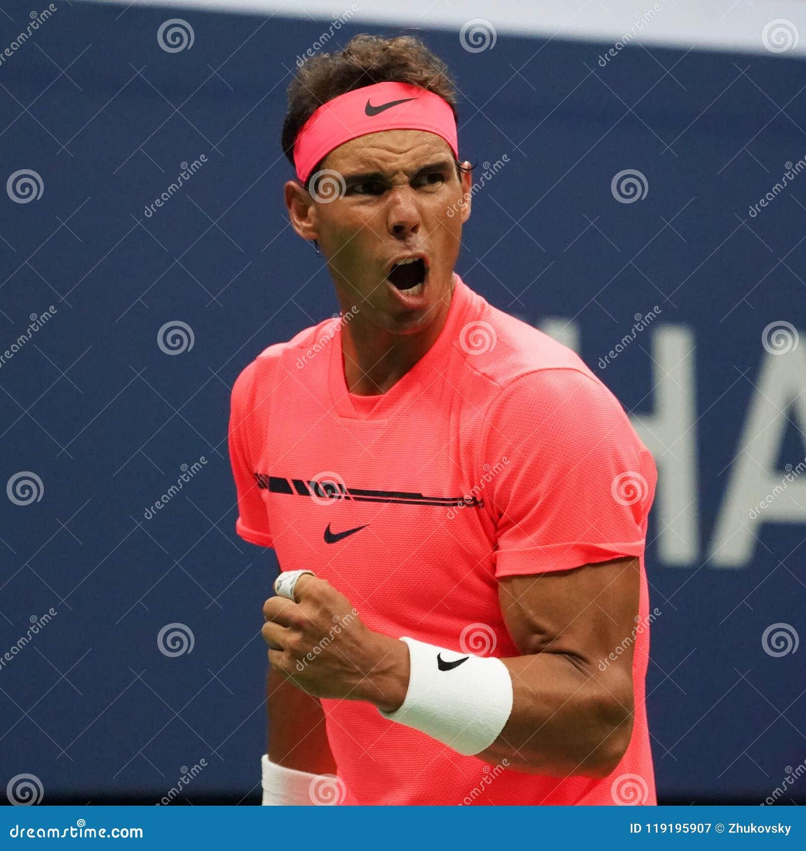Champion Rafael Nadal de Grand Chelem de l Espagne dans l action pendant son match de rond de l US Open 2017 d abord