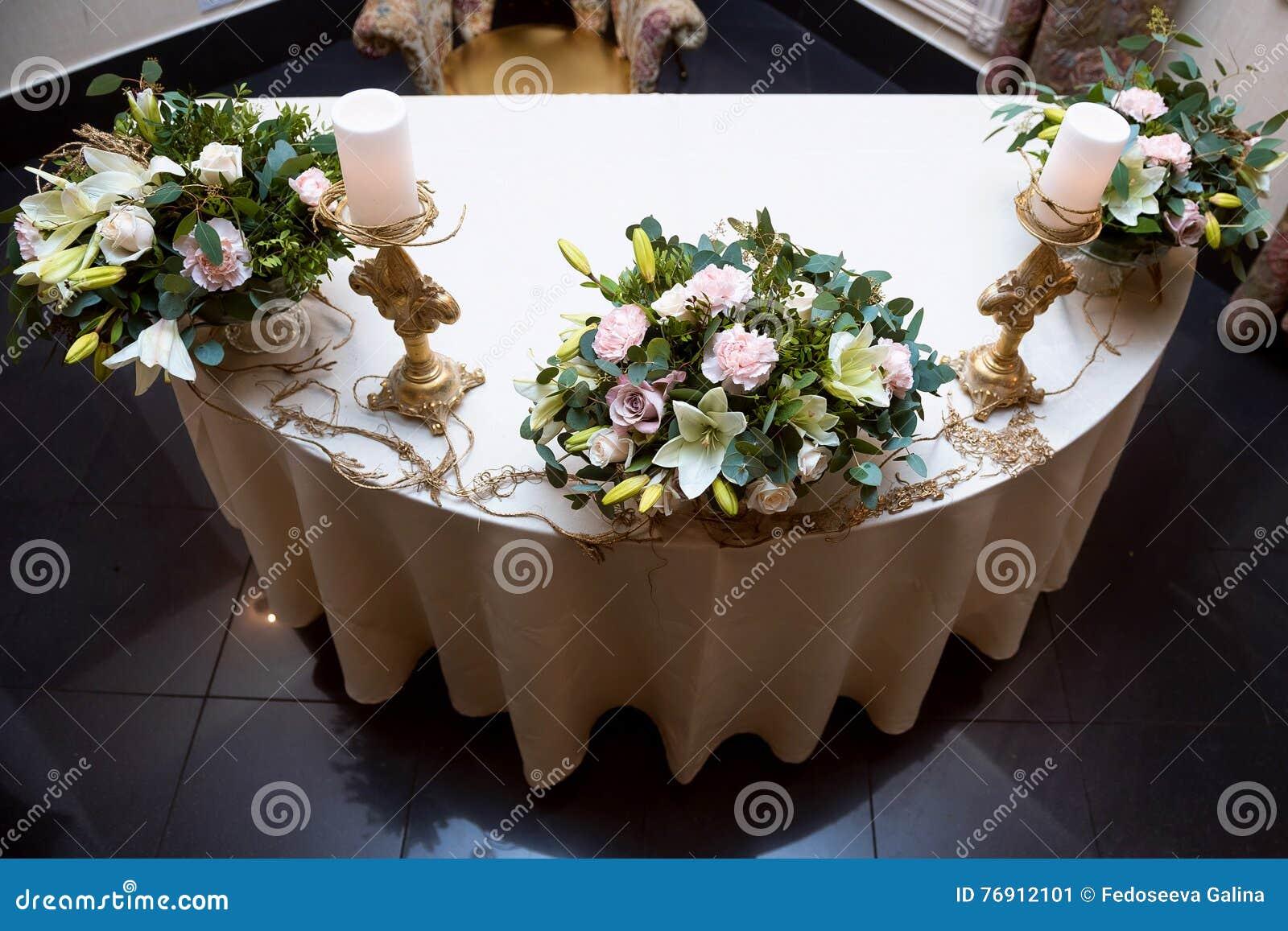 Bougie Décoration De Table chandelier d'or avec une bougie décoration de table de
