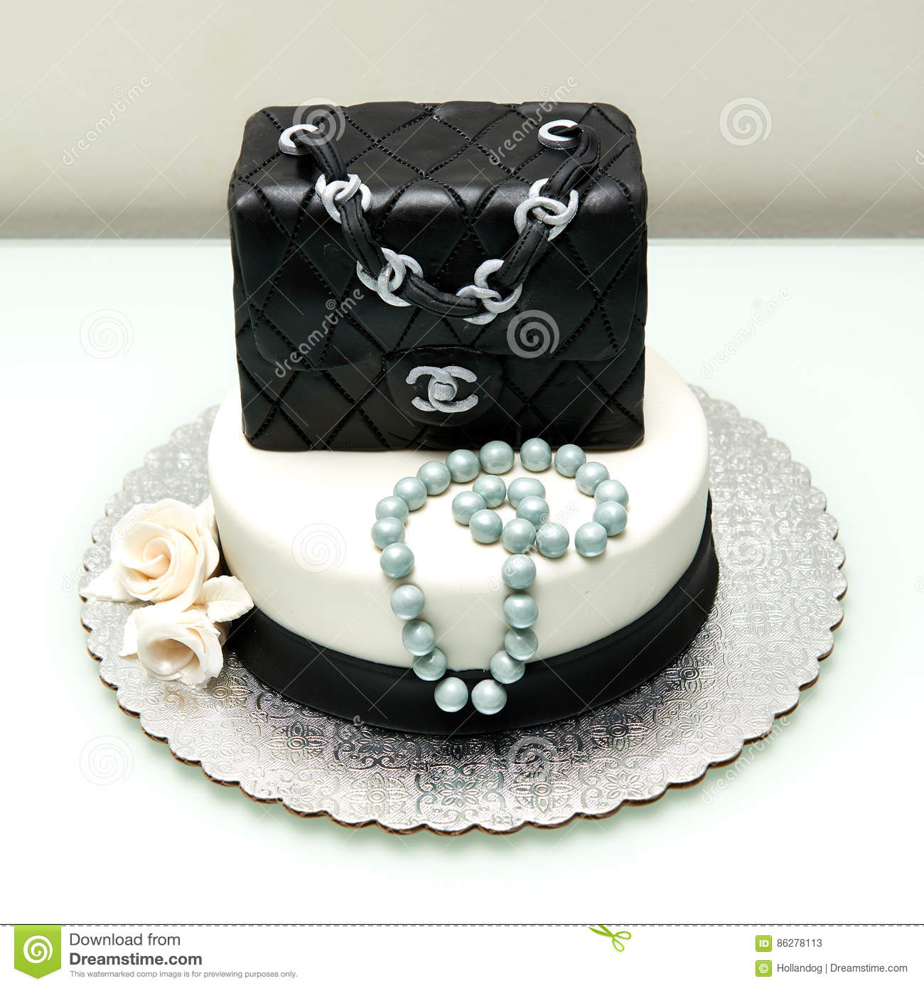 Chanel Classic Handbag Fountain Cake Editorial Stock Photo - Image ...