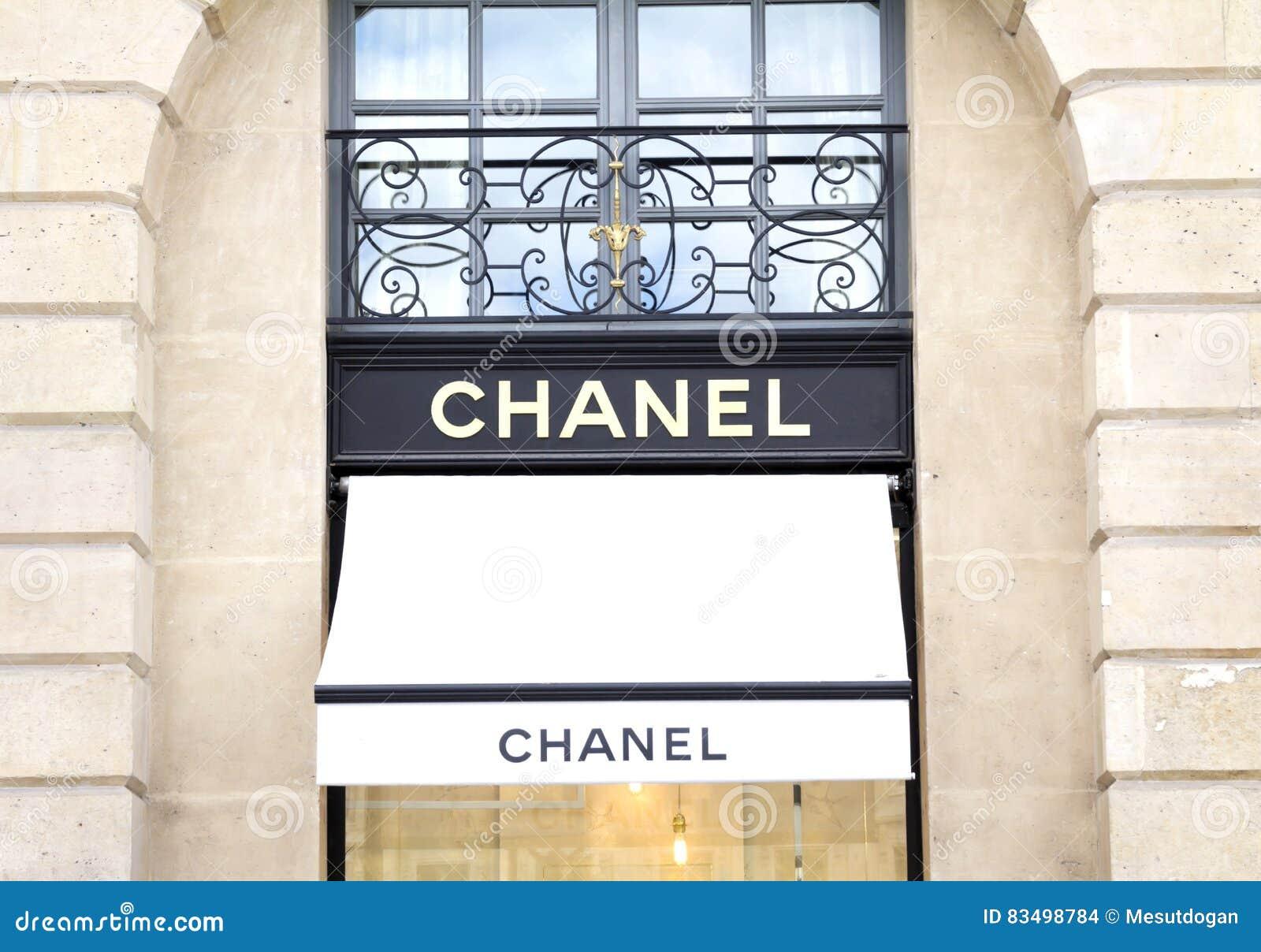 Chanel Robi Zakupy Obraz Stock Editorial Obraz Złożonej Z Francuz