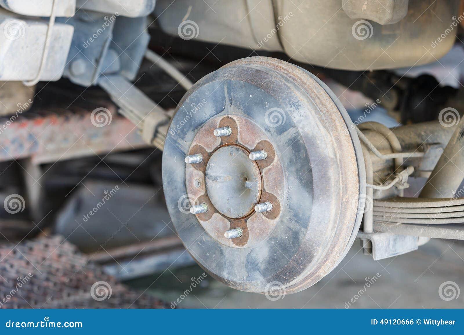 changement de roue de voiture photo stock image du automobile pour 49120666. Black Bedroom Furniture Sets. Home Design Ideas