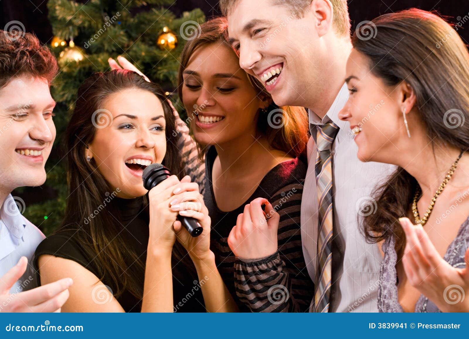 Chanson Image Stock. Image Du Beauté, Musique, Nightclub