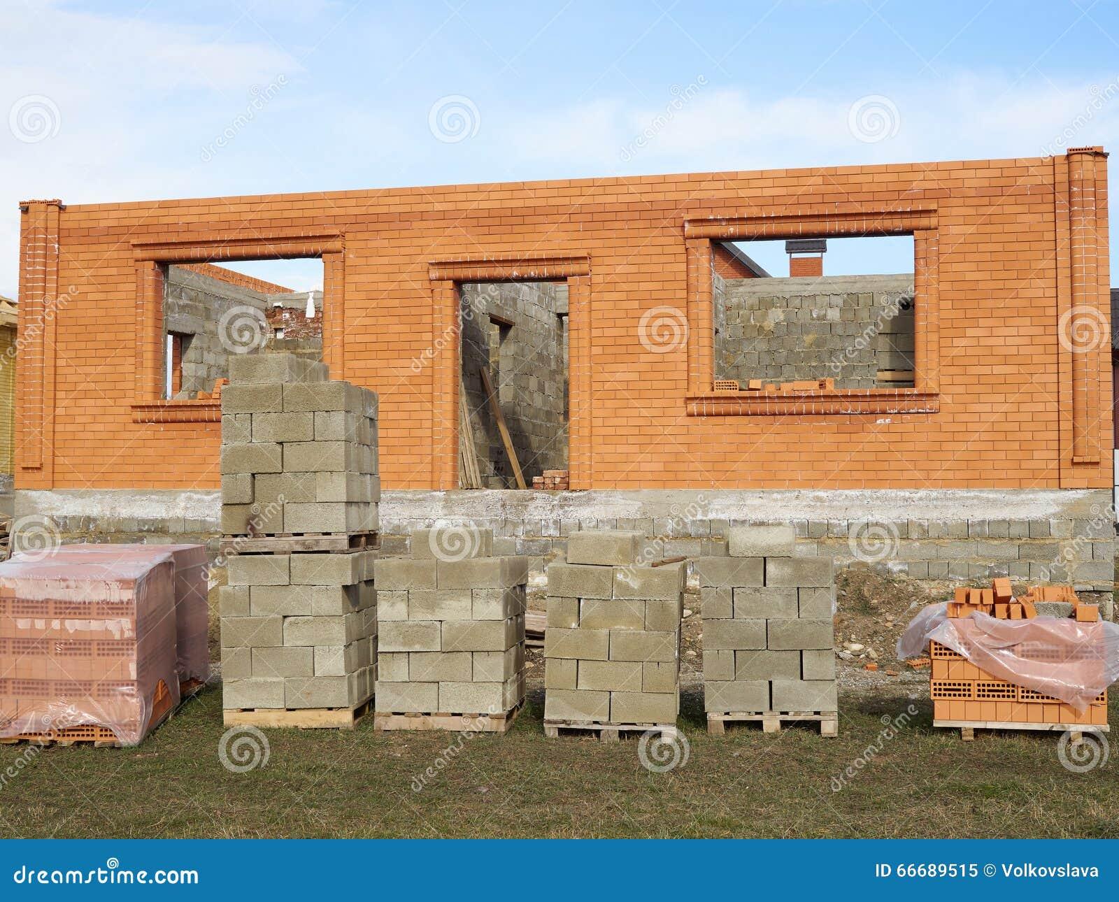 Chantier de b timent et de construction en cours la for Cours construction batiment pdf