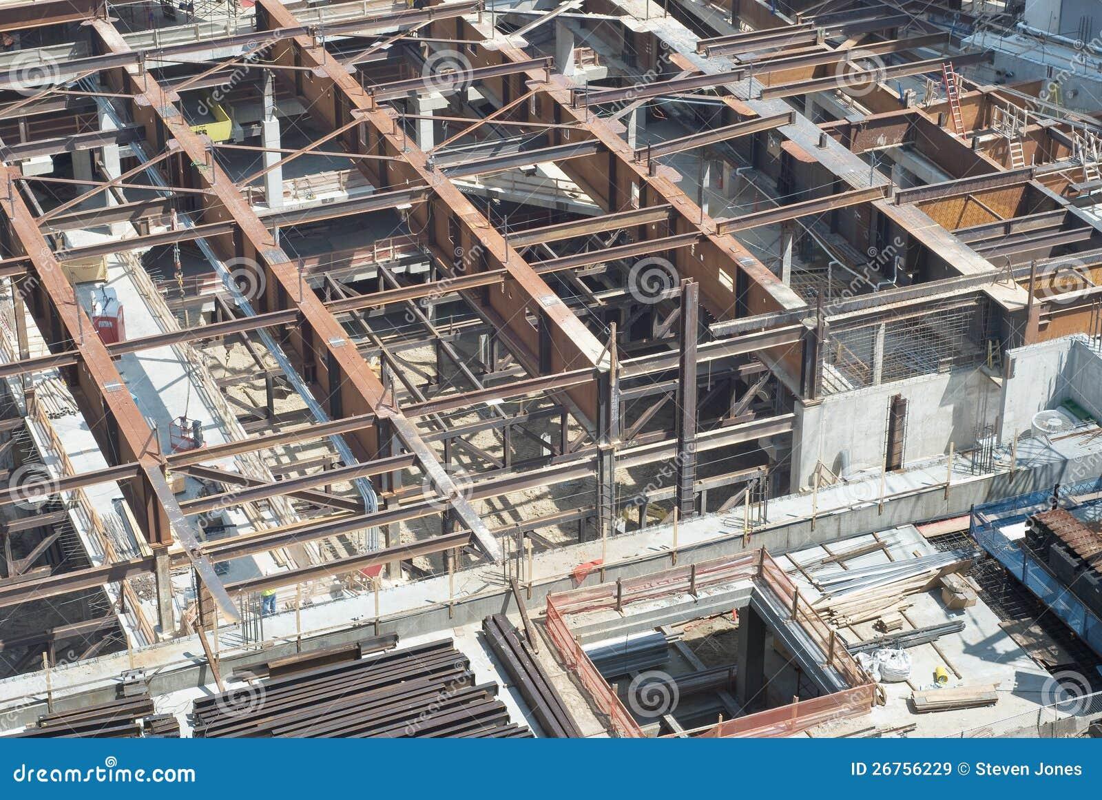 Chantier de construction avec les poutres en acier images for Chantiers de construction