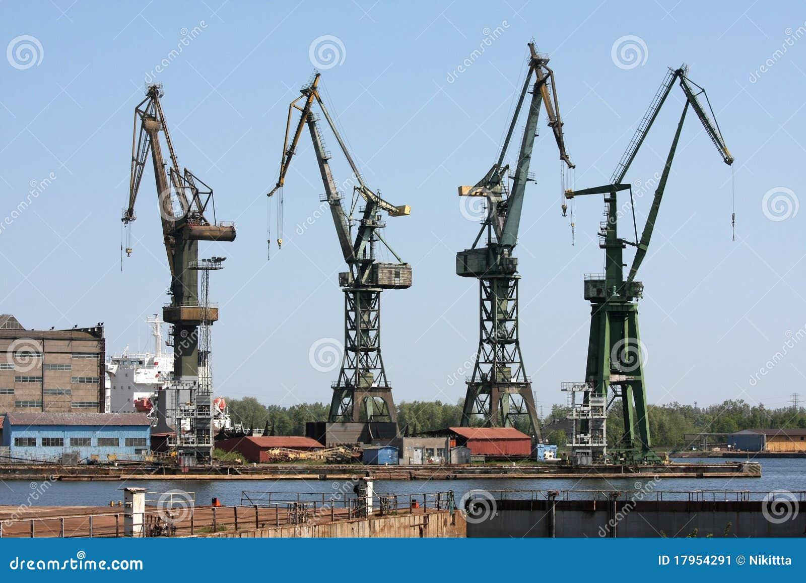 chantier de construction dans le chantier naval de danzig image stock image 17954291
