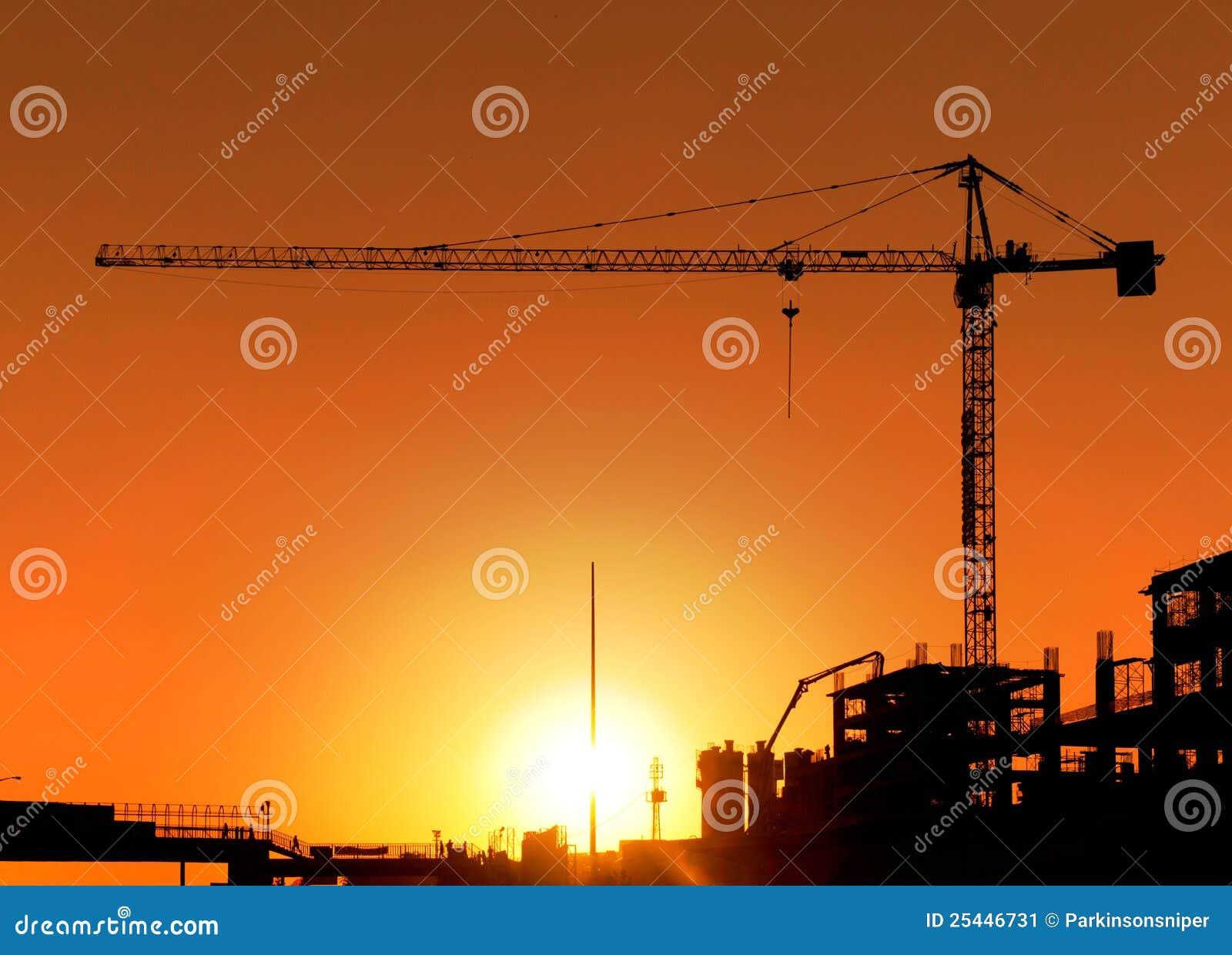 Chantier et grue de construction