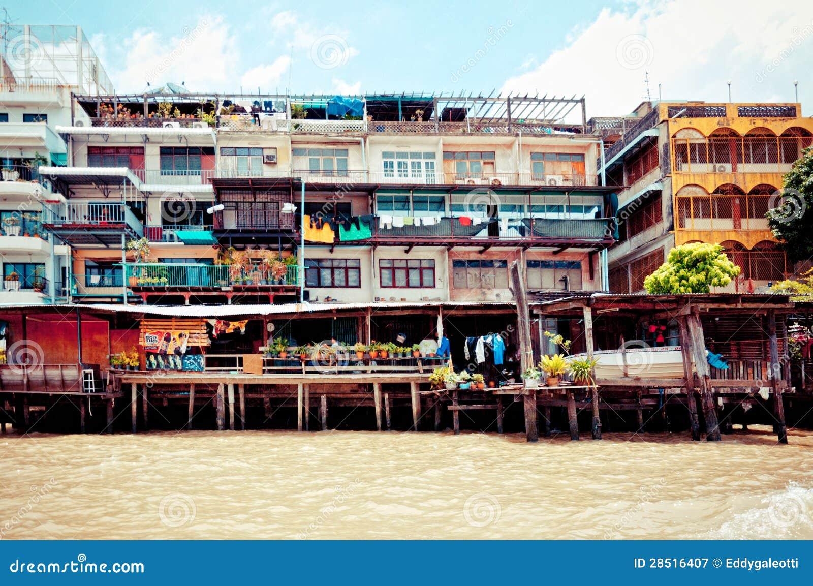 Chao Phraya River And Houses In Bangkok Editorial Photography - Image: 28516407