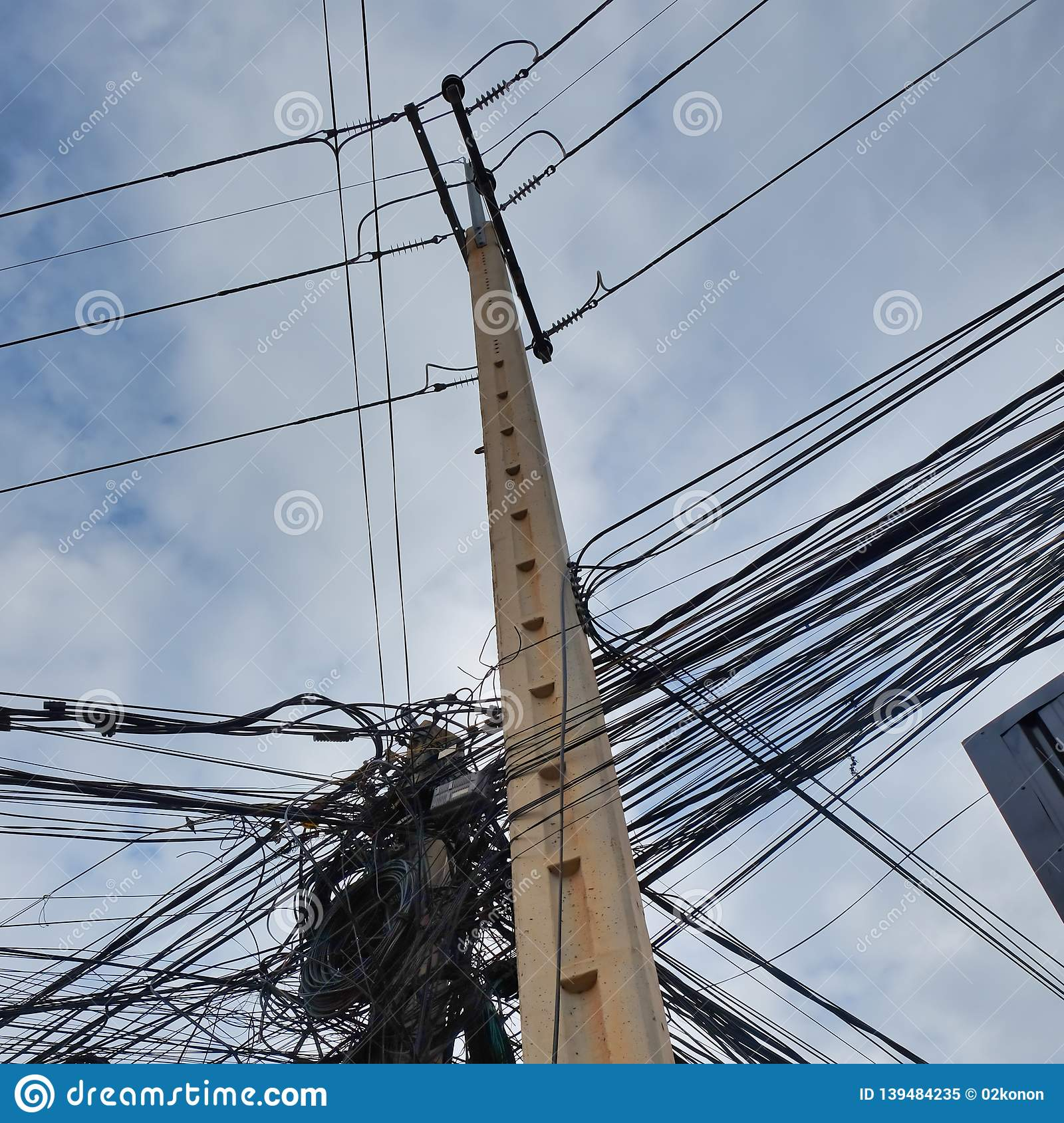 Chaos In Power Lines, Tangled City Communications, Problems