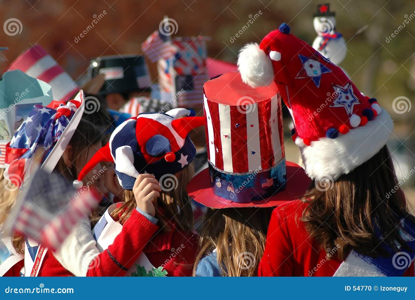 Chapéus vermelhos, brancos e azuis