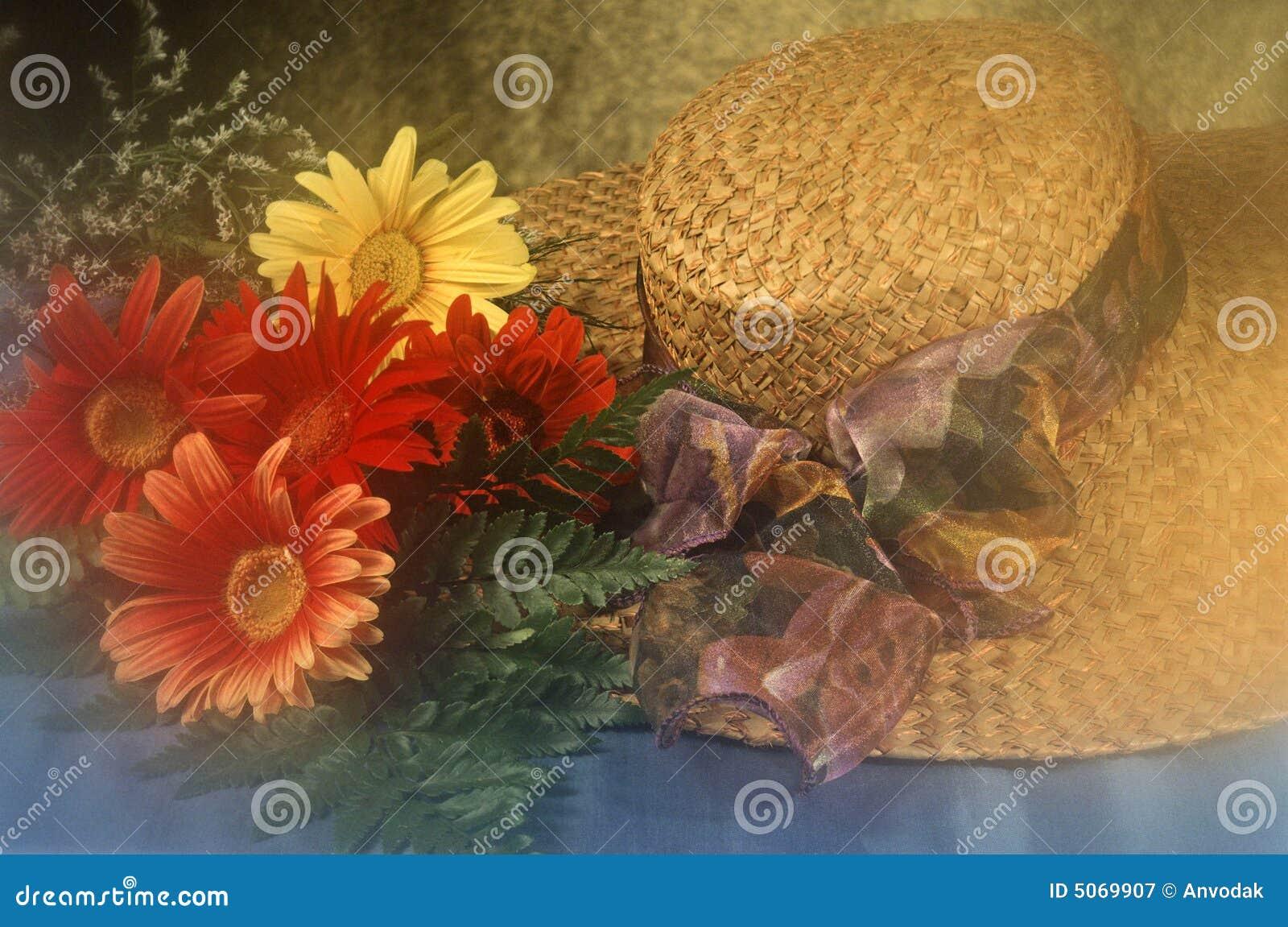 nouvelle version acheter de nouveaux magasin en ligne Chapeau De Paille Avec Fleurs Image stock - Image du ...