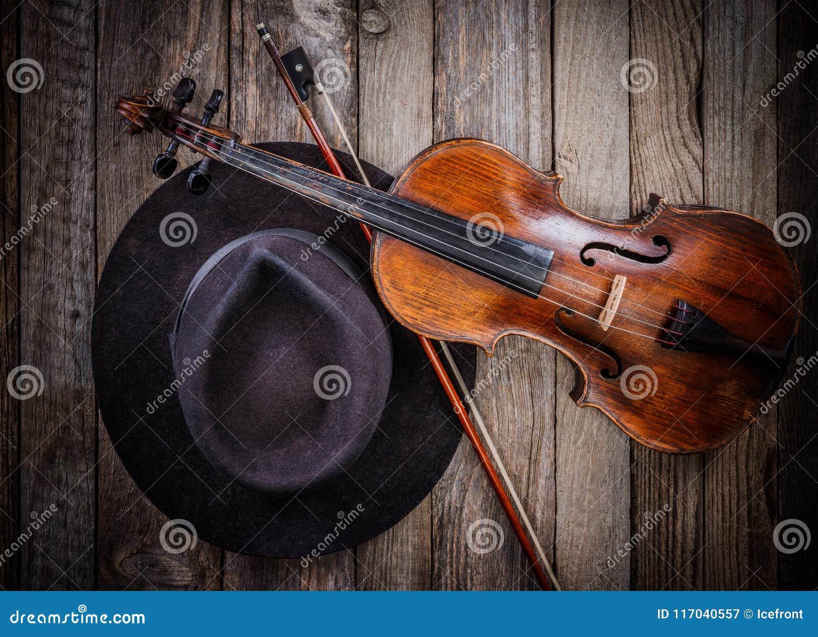 Chapeau et violon