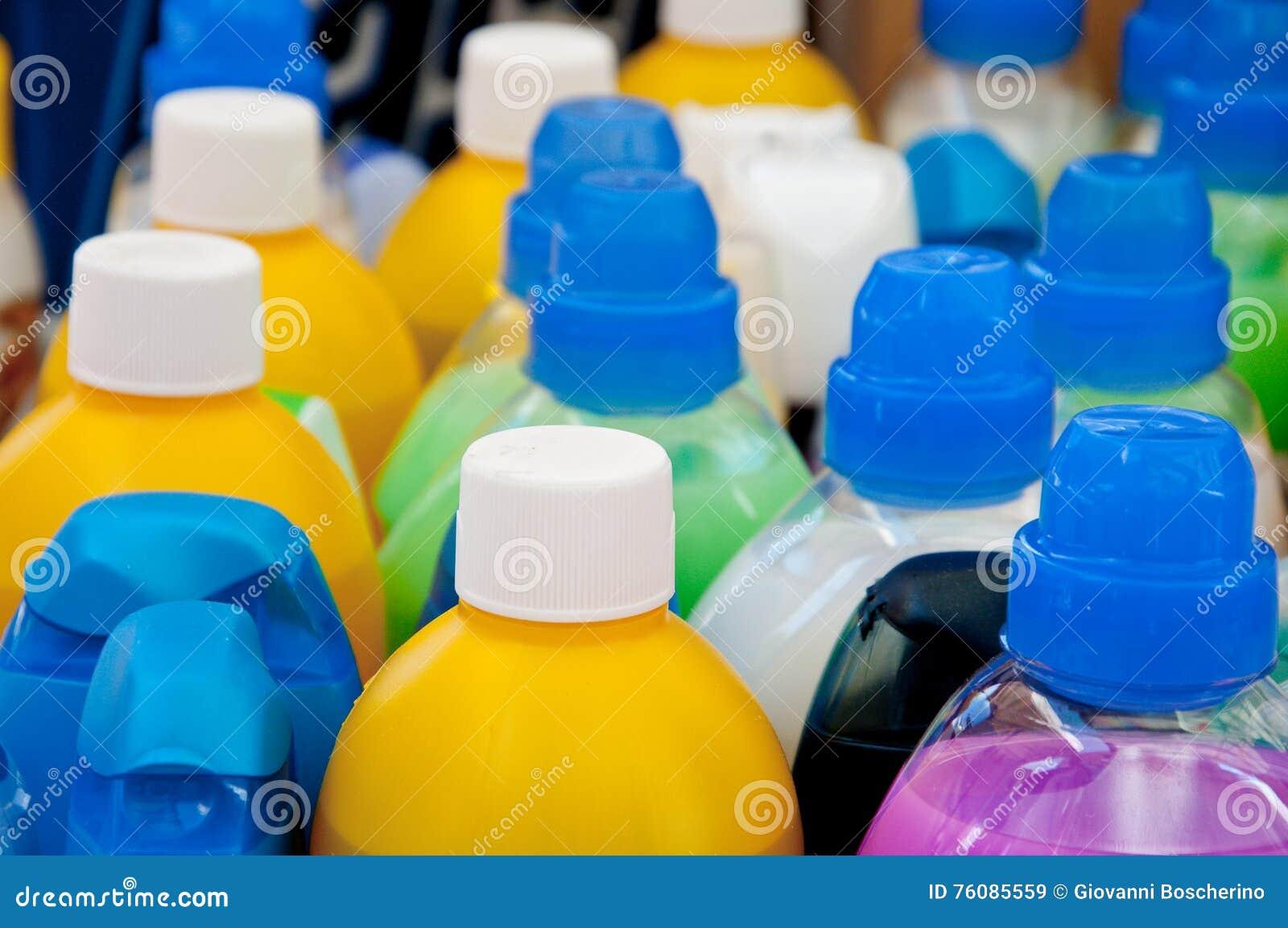 Chapeaux en plastique colorés pour des détergents, des shampooings et des savons liquides