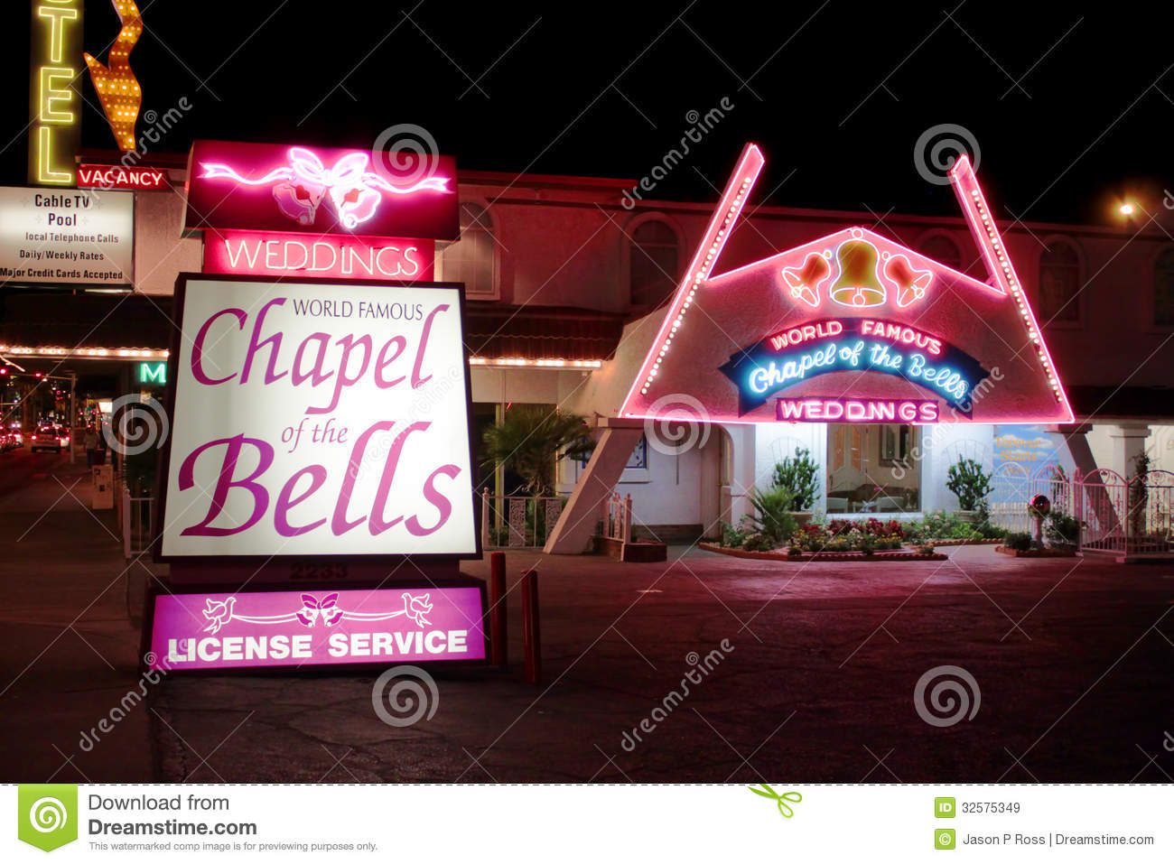 wedding chapels in las vegas wedding chapel las vegas las vegas wedding wagon sign wedding