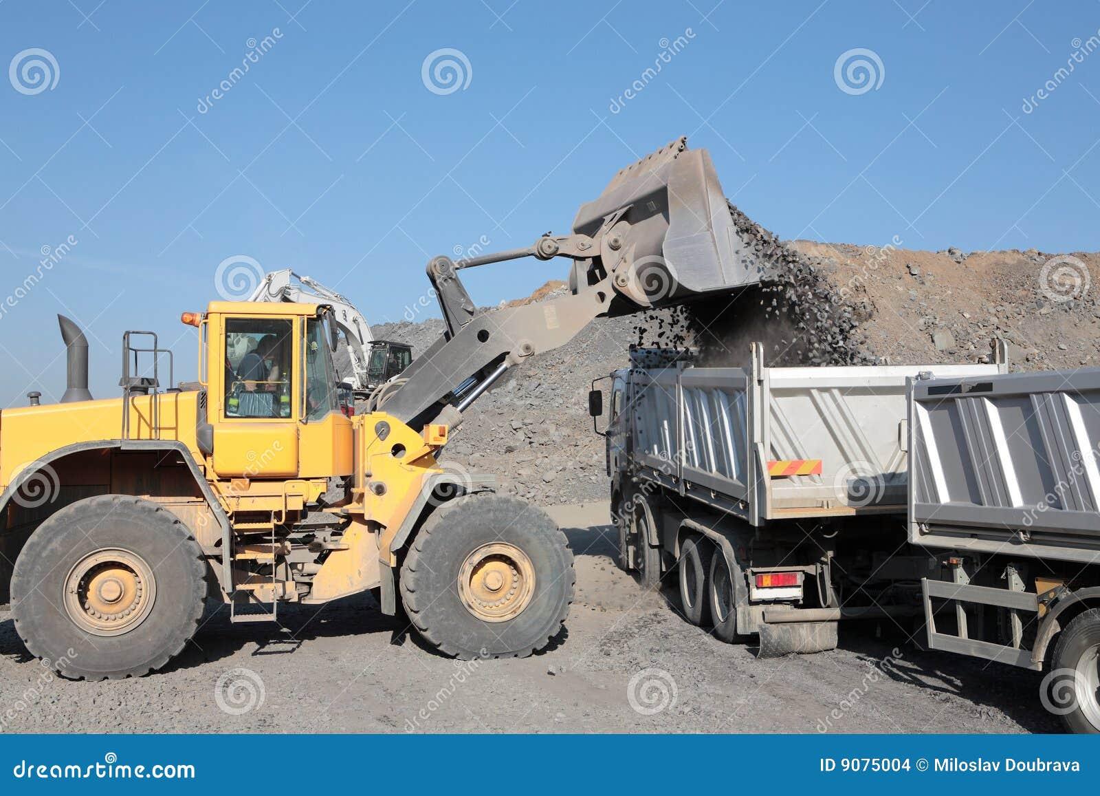 Chargement D Un Camion Ii Photo Stock Image Du Route 9075004