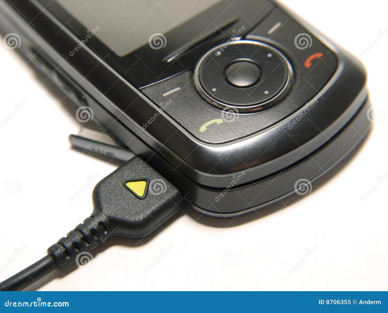 Chargin un telefono mobile immagine stock immagine di for Mobile telefono