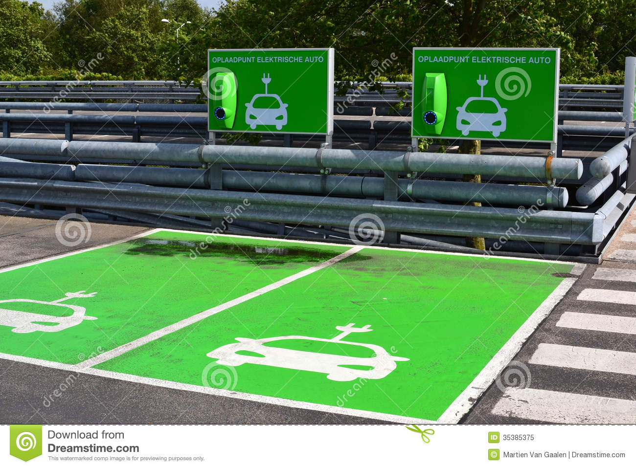 charging-station-electric-cars-parking-l