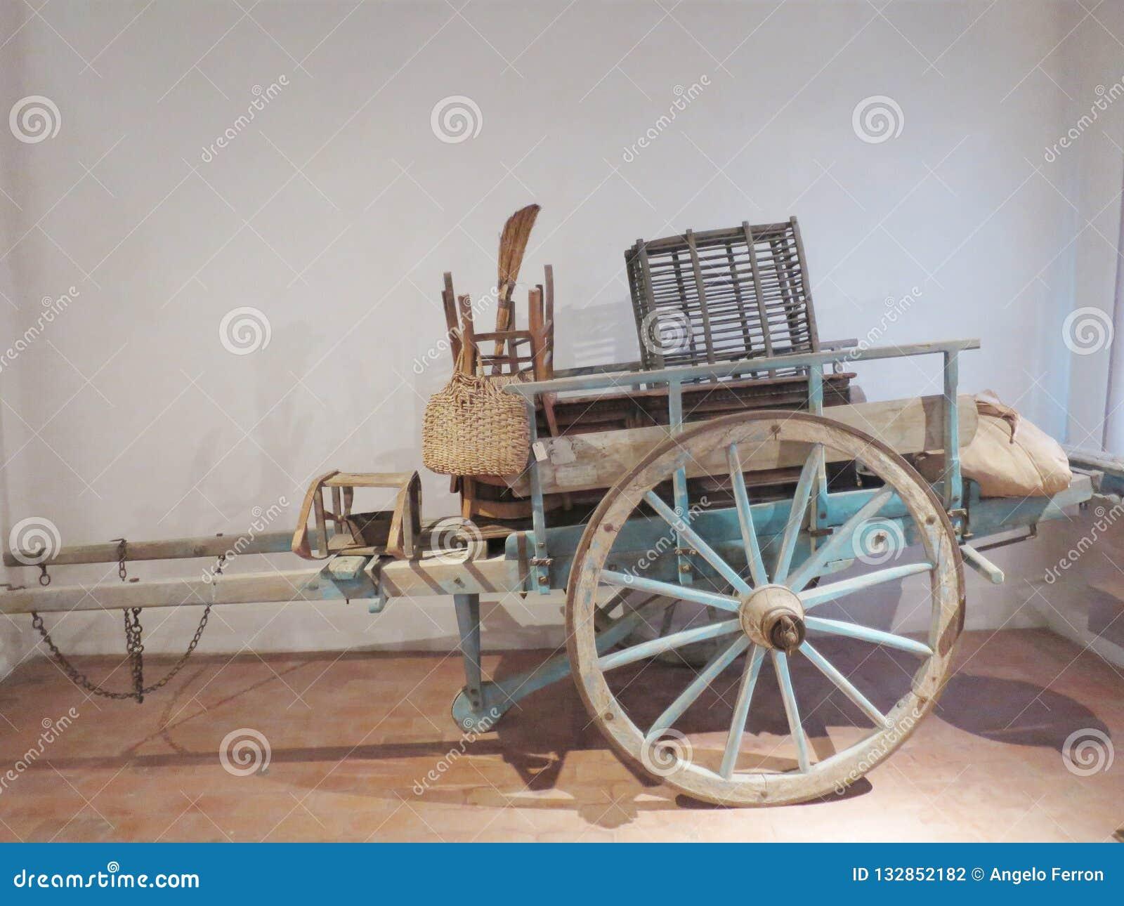 Chariot antique de nos ancêtres pour l usage agricole