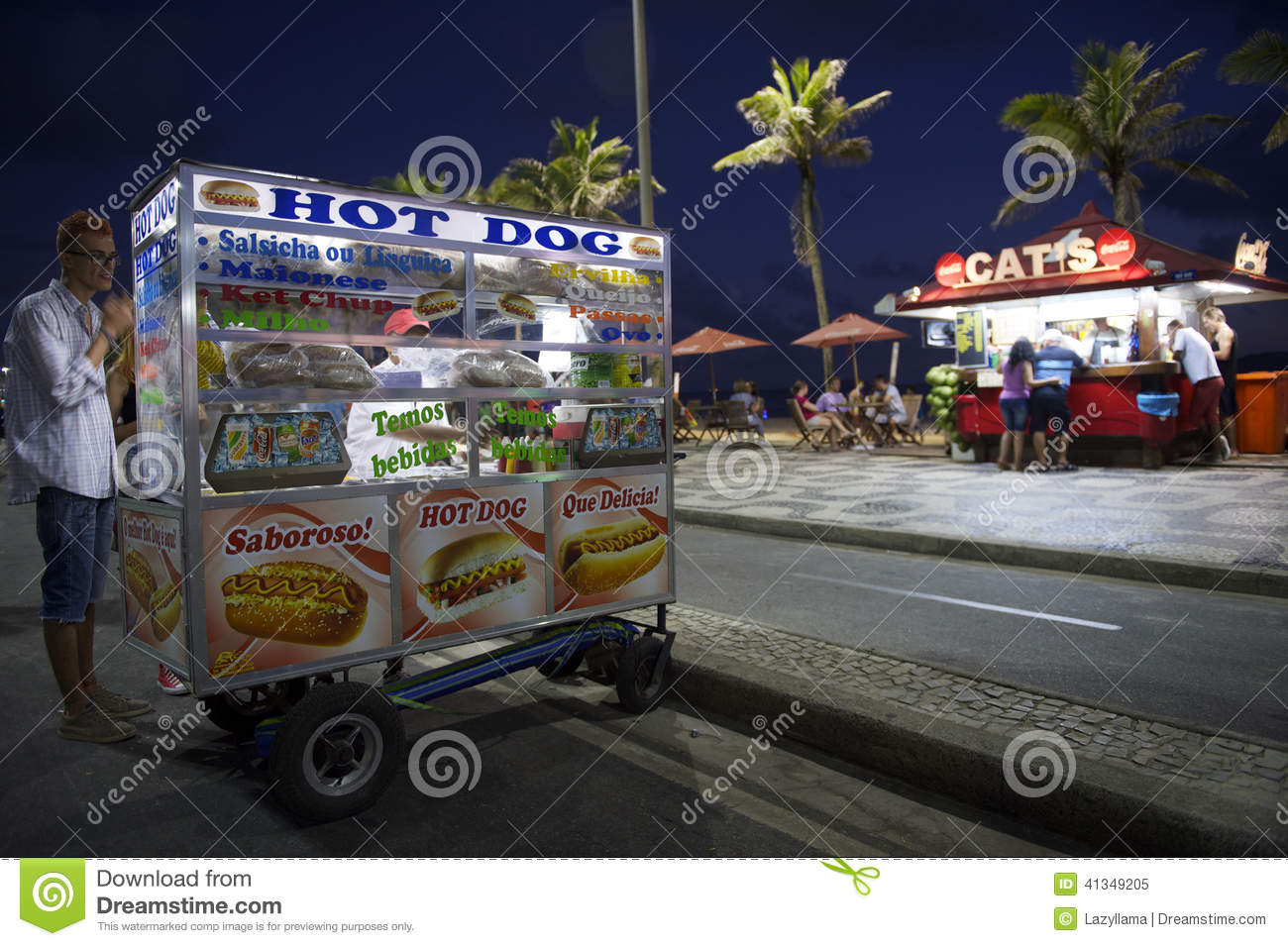 chariot de hot dog et plage rio d 39 ipanema de kiosque image. Black Bedroom Furniture Sets. Home Design Ideas