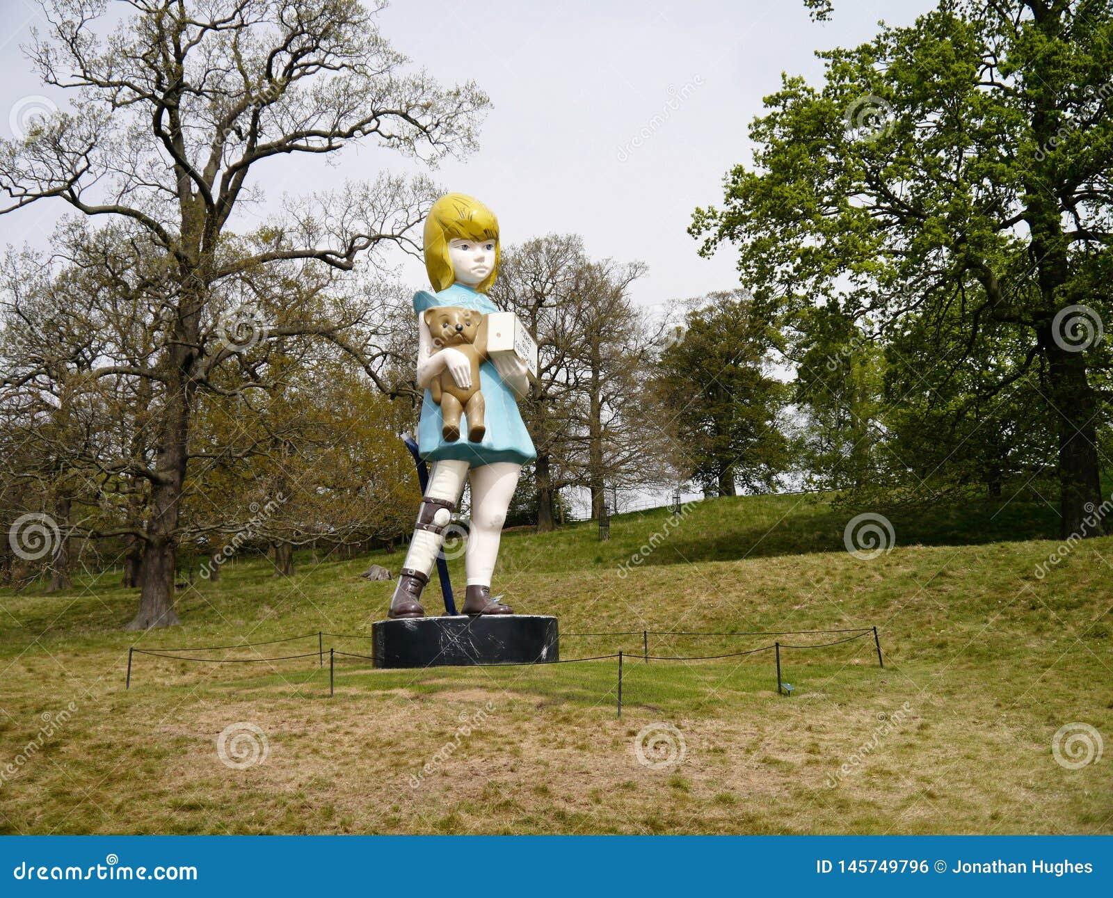 Charité : Parc de sculpture en Damien Hirst Bronze Statue At Yorkshire