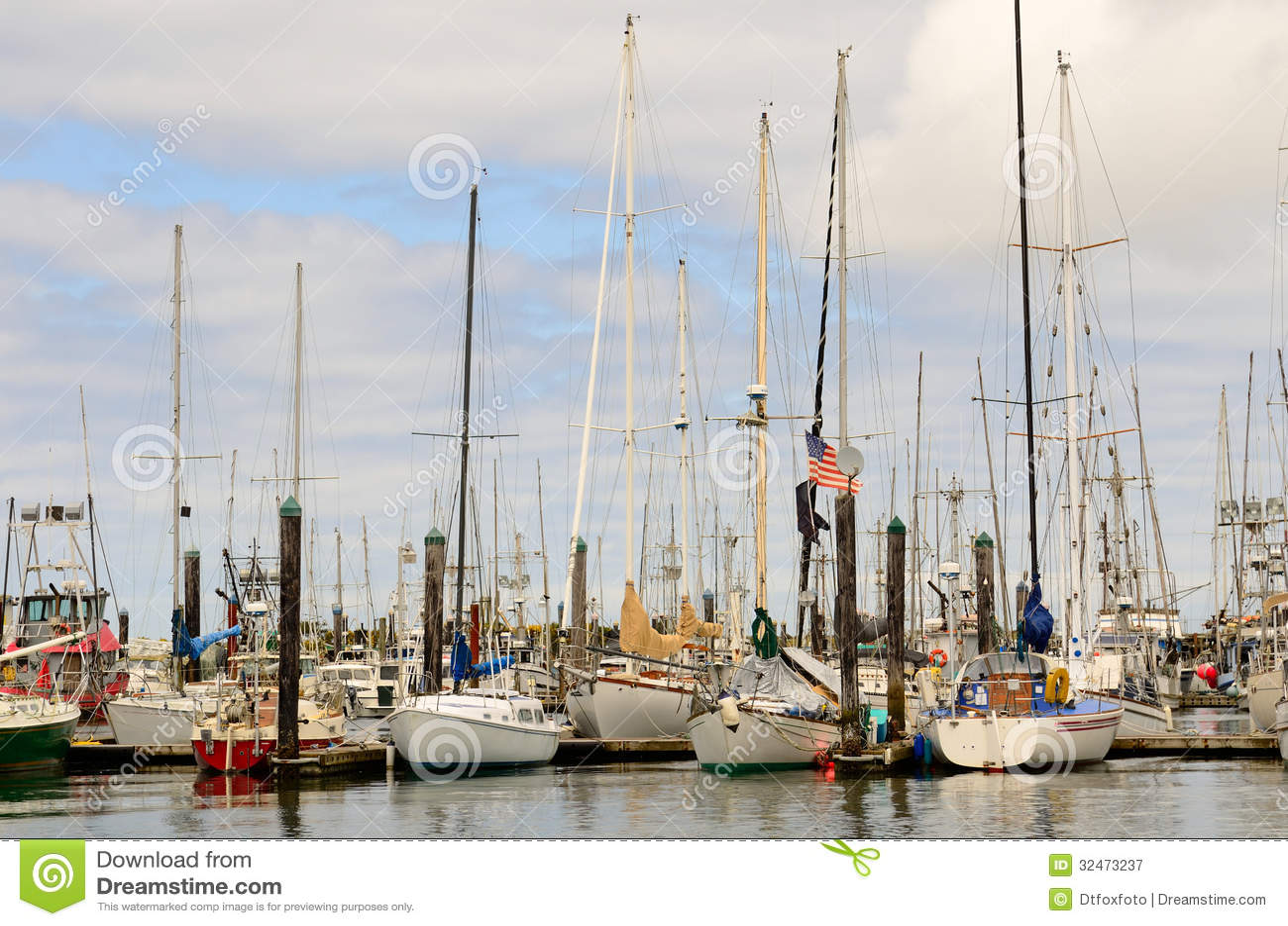 Charleston royalty free stock photography image 32473237 for Coos bay fishing