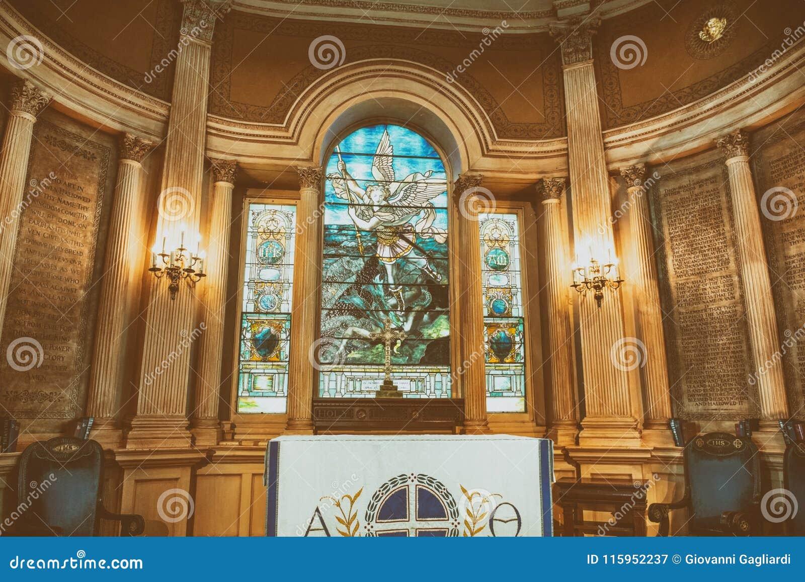 CHARLESTON, SC - 6 DE ABRIL DE 2018: Interior de St Michael Church I