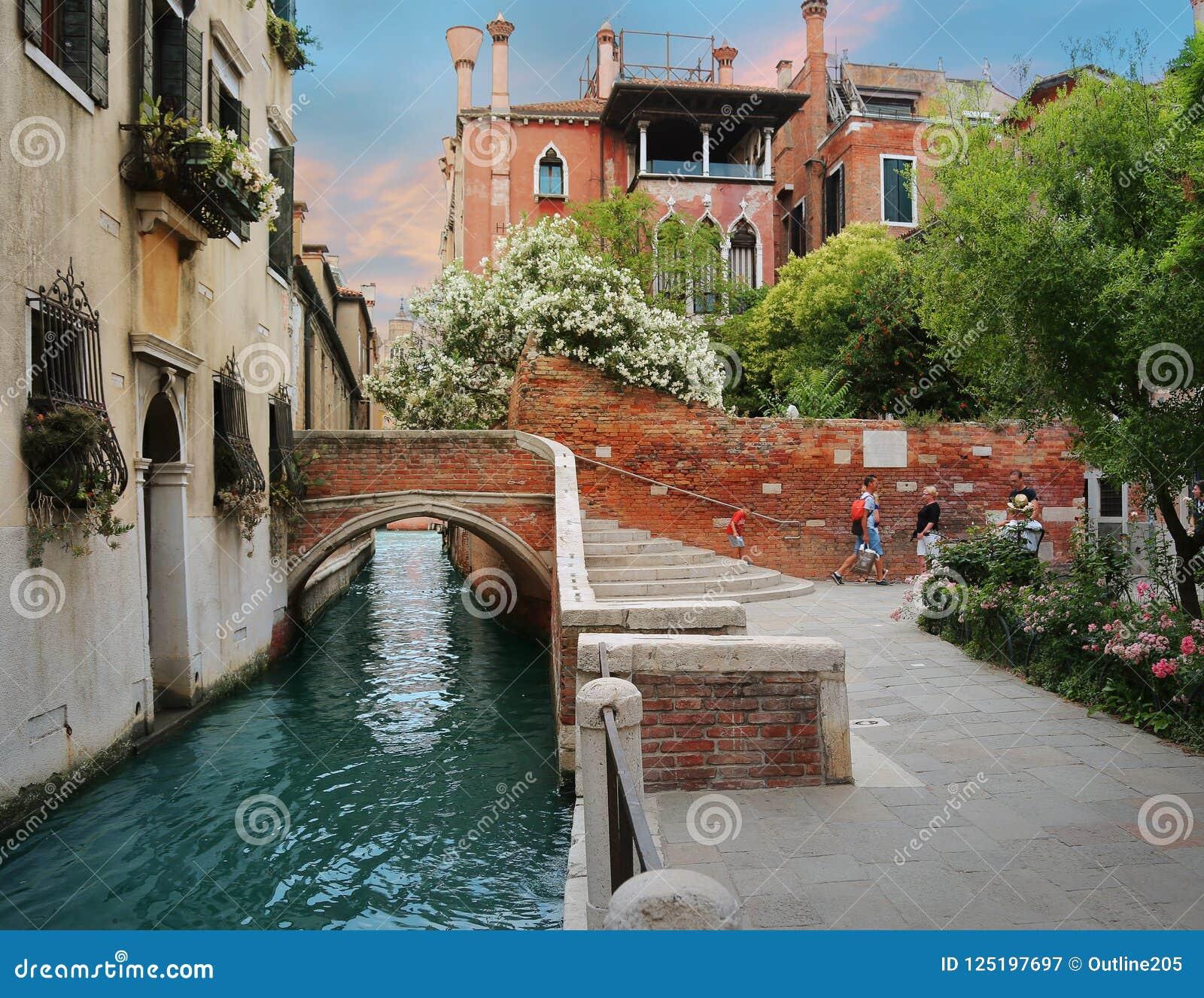 Charmante straten en kanalen van Venetië, Italië